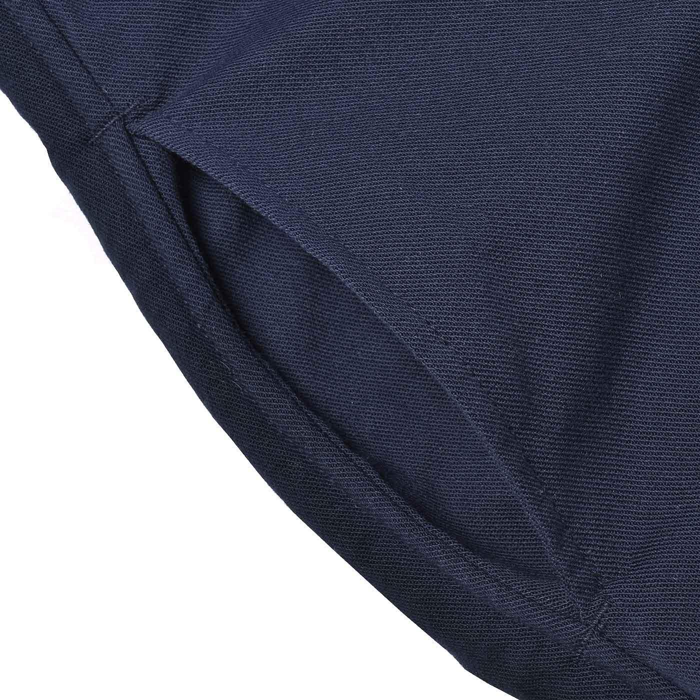 サイドポケットは家事や外出に何かと便利。