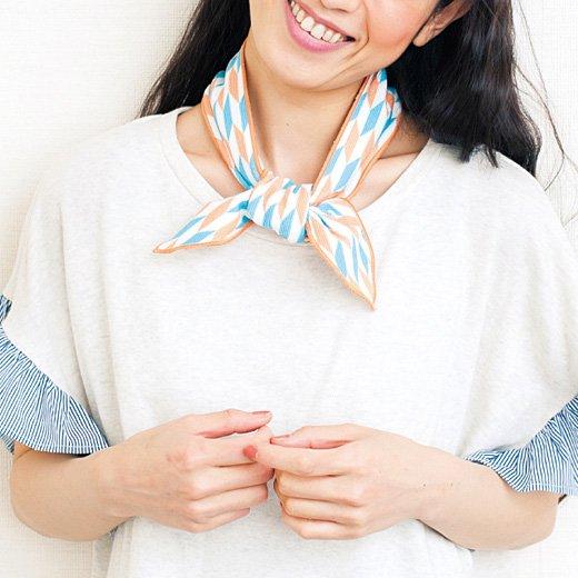 ぬらしてパン! で ひんやり気持ちいい 結んでかわいいクールスカーフ