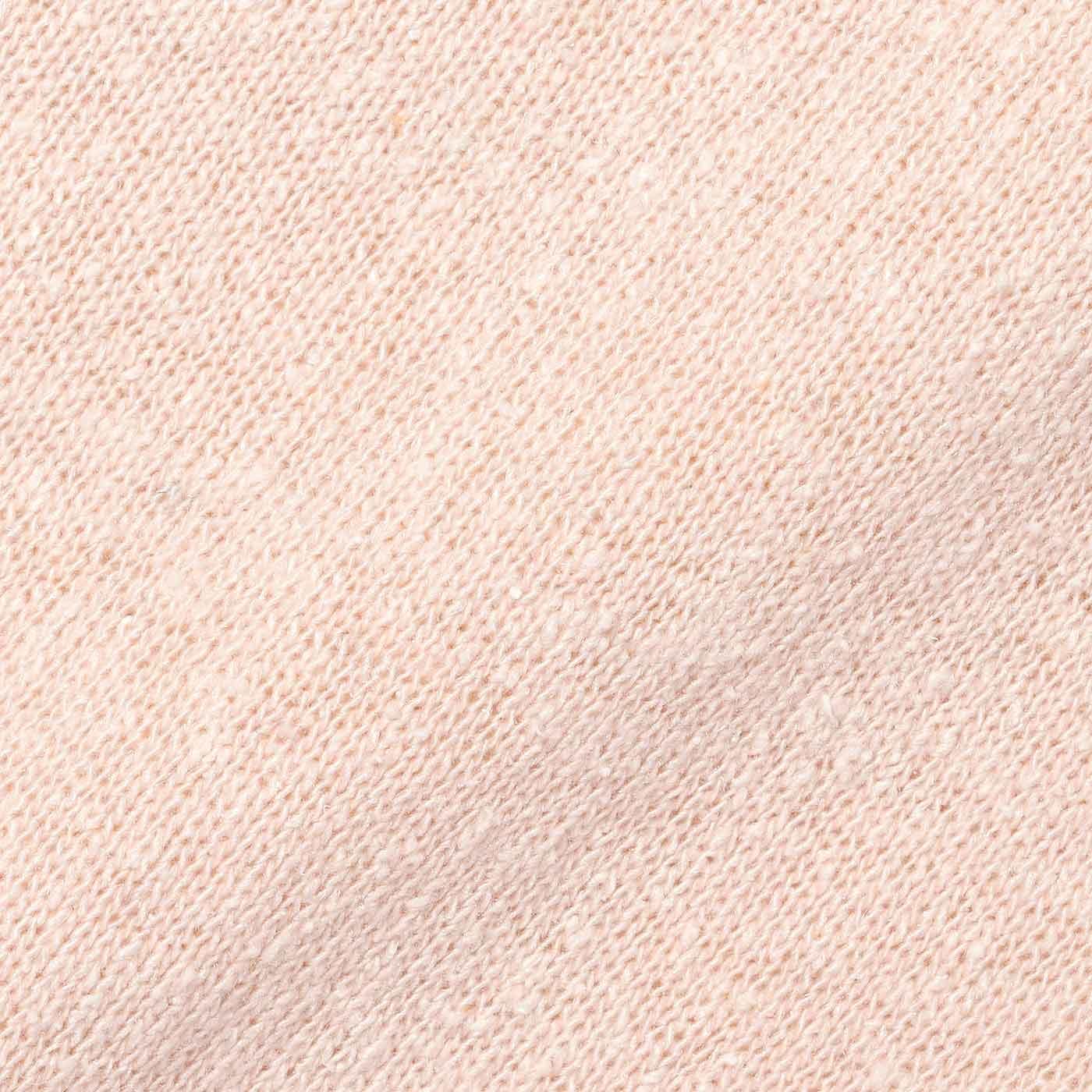身生地はシルク100%&縫製の糸にも綿を使用したやさしい着心地。