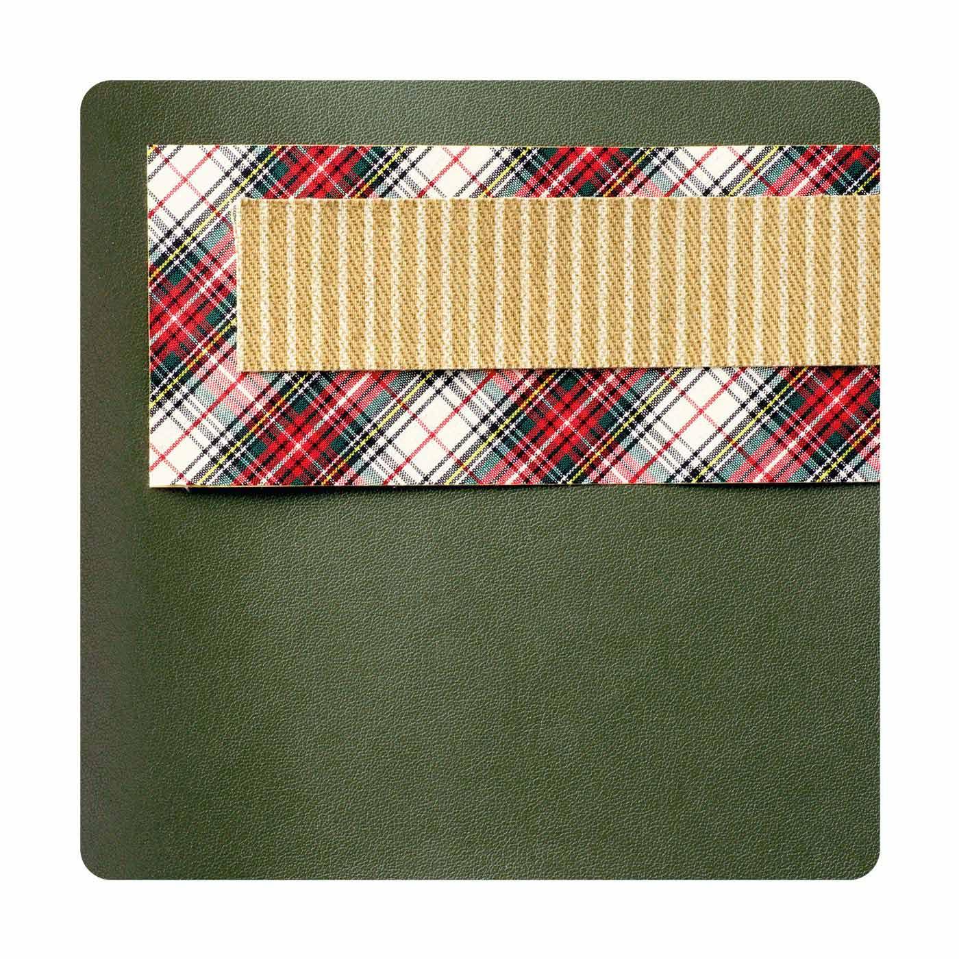 布や合皮のデコレーションシール3種類をセットでお届け。