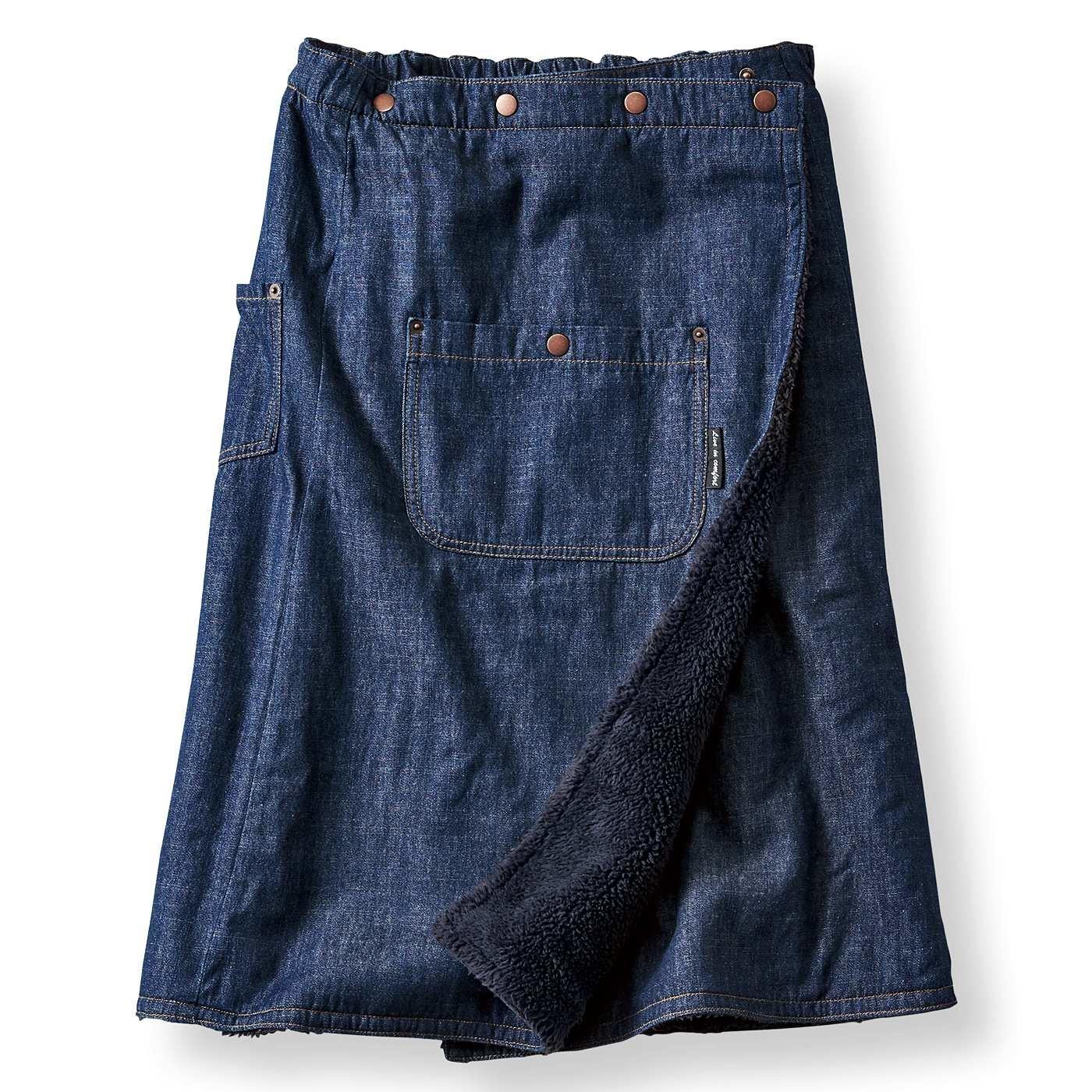 リブ イン コンフォート×魅惑のキャンプ 巻いてぬくぬく腰をあたためる 裏ボアオーバースカート〈インディゴ〉