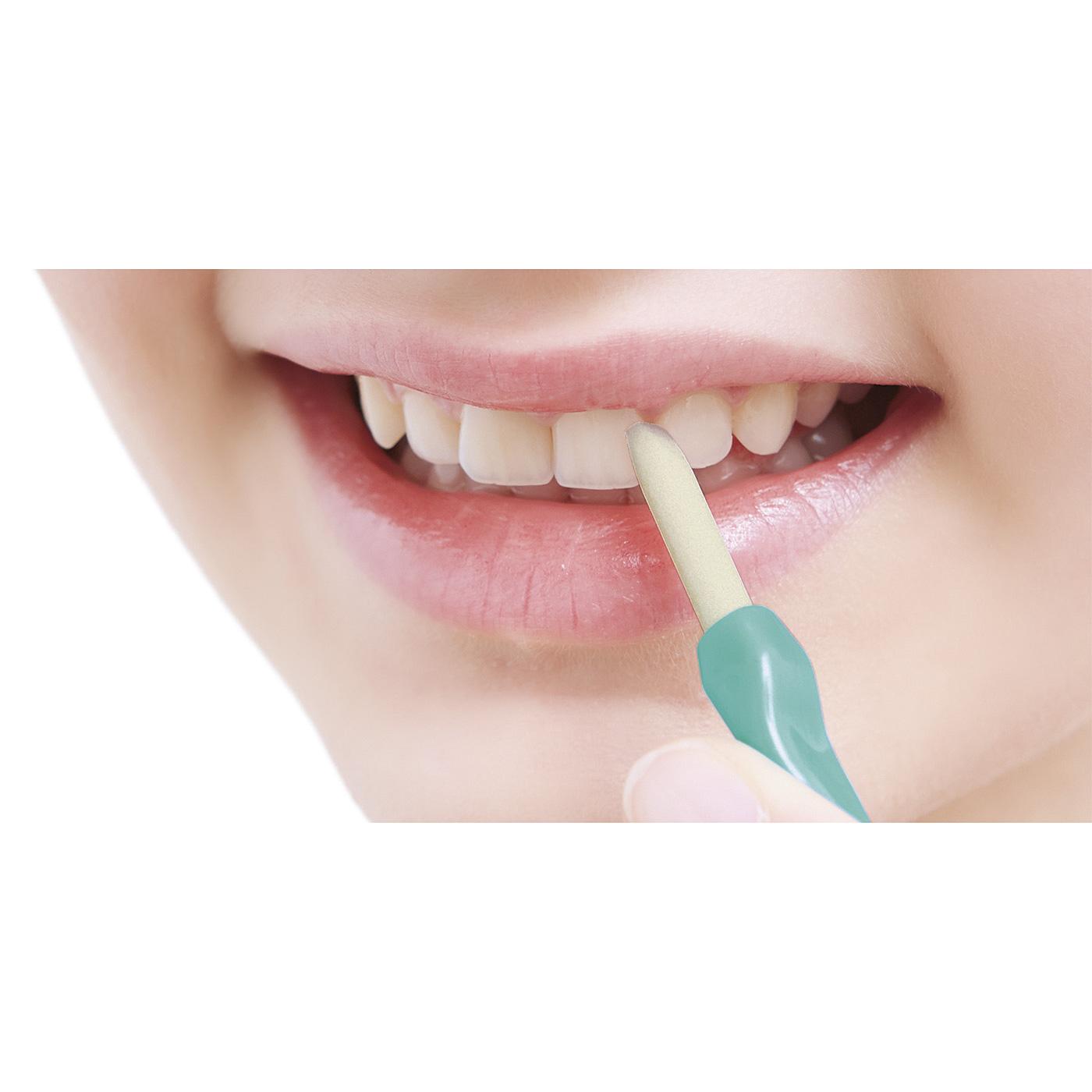 黄ばみ汚れを直接こすり落とすのに、歯への摩擦はやさしい設計。