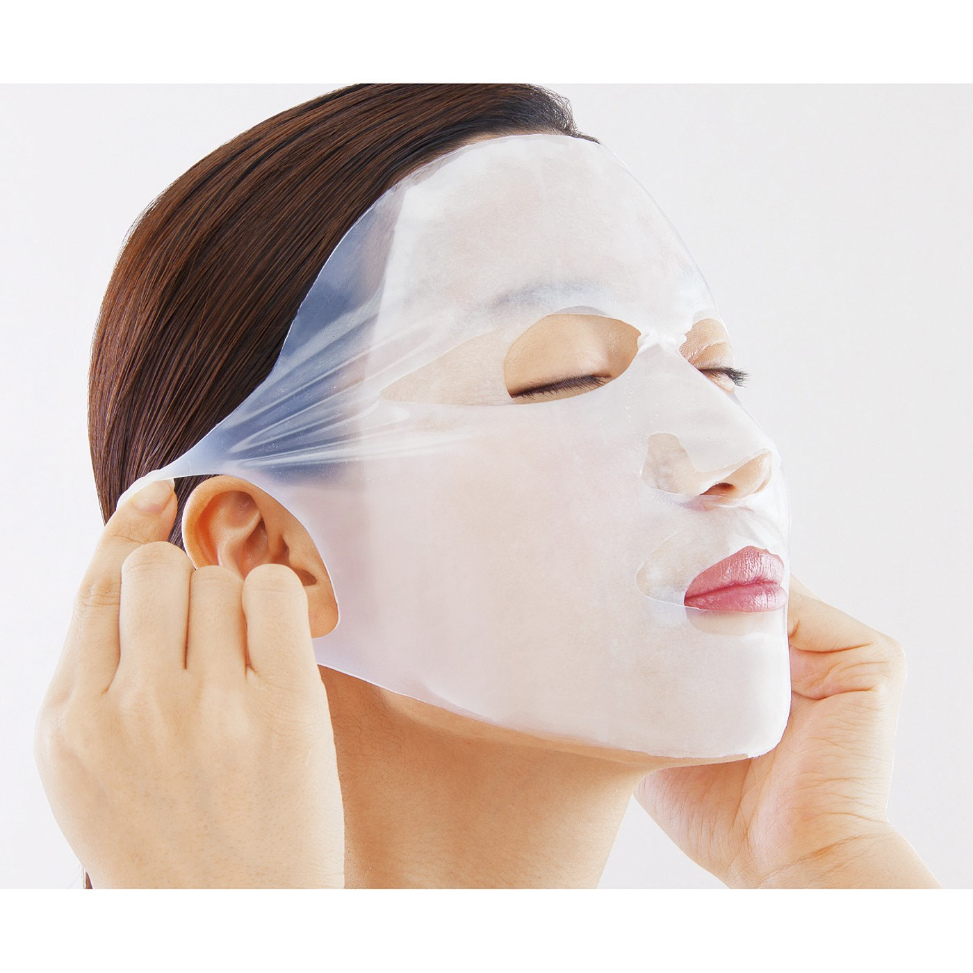 耳に掛けられるので、マスクがずれずに安心。