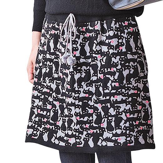 締め付け感のない編み地でゴム入り。お好みのウエスト位置に調節OK。両サイドにポケット付きで便利だニャ。
