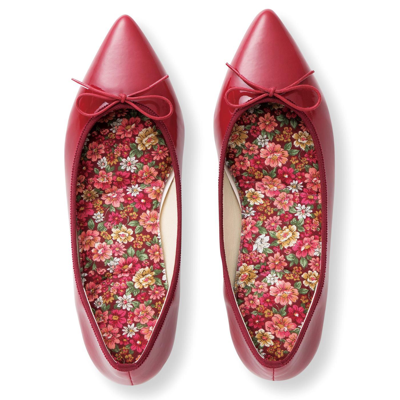 足取りが軽くなるかわいい花柄。靴のサイズに合わせてカットできます。