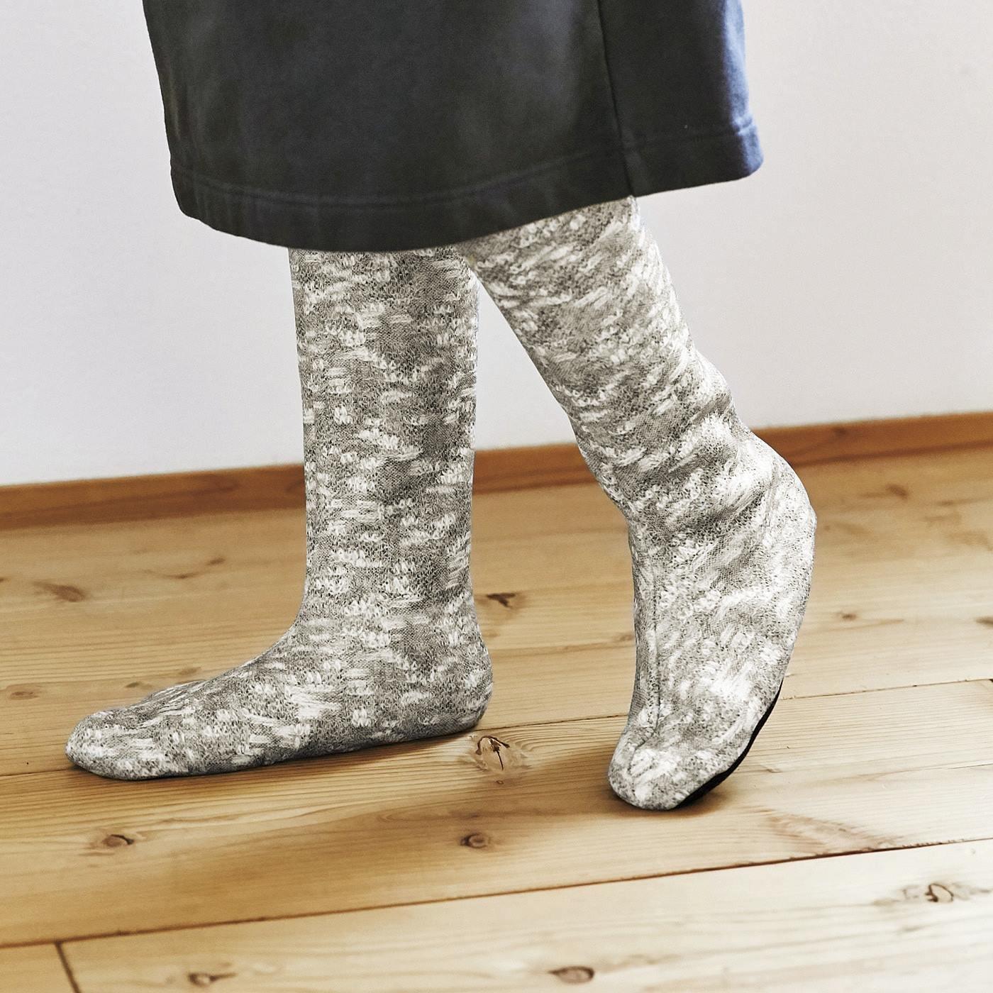 冷え足をのびのびボアで包み込む 靴下みたいなあったかルームブーツの会