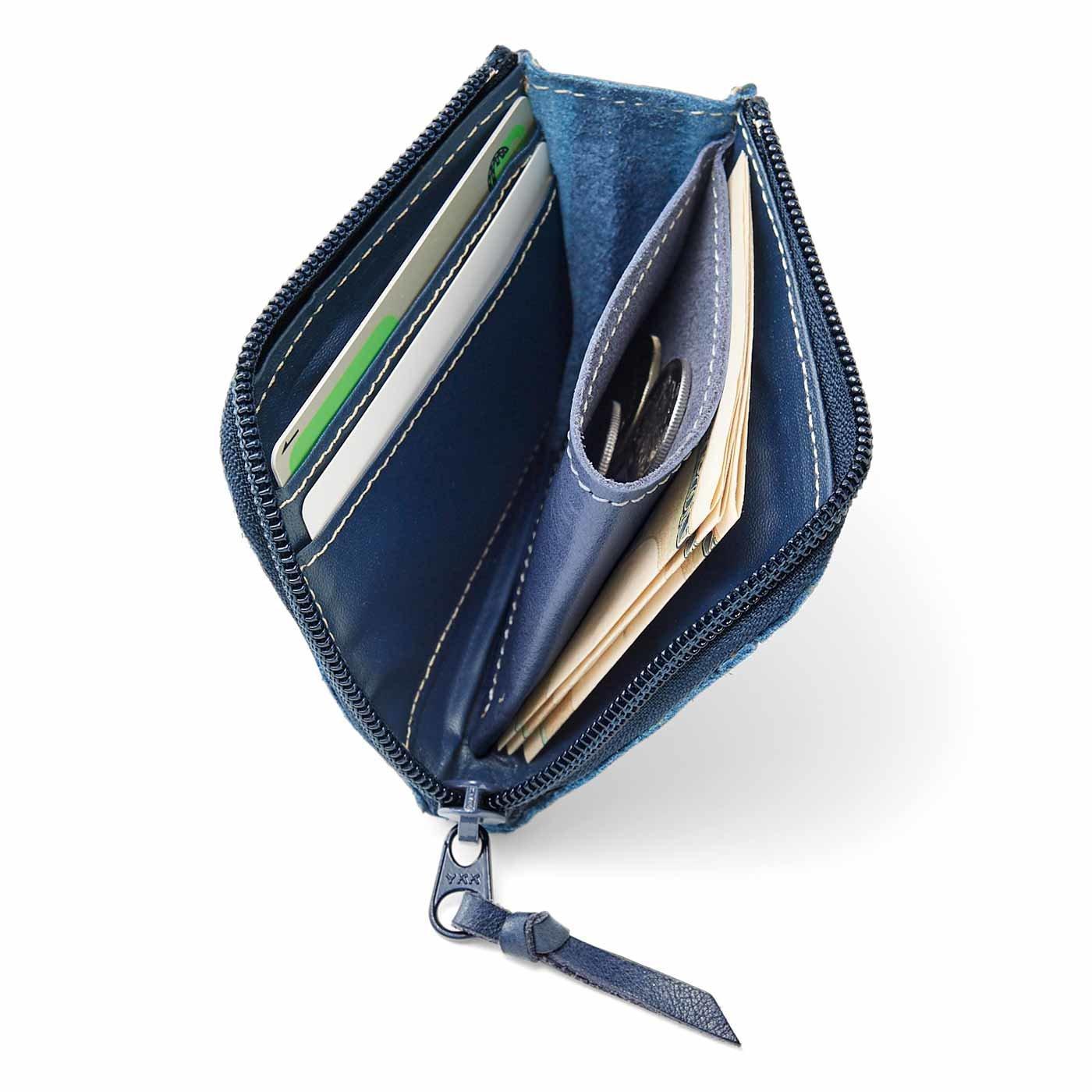 古着屋さんで見つけたような ヴィンテージ感あふれるインディゴ染めの本革ミニマム財布〈ユーズドインディゴブルー〉