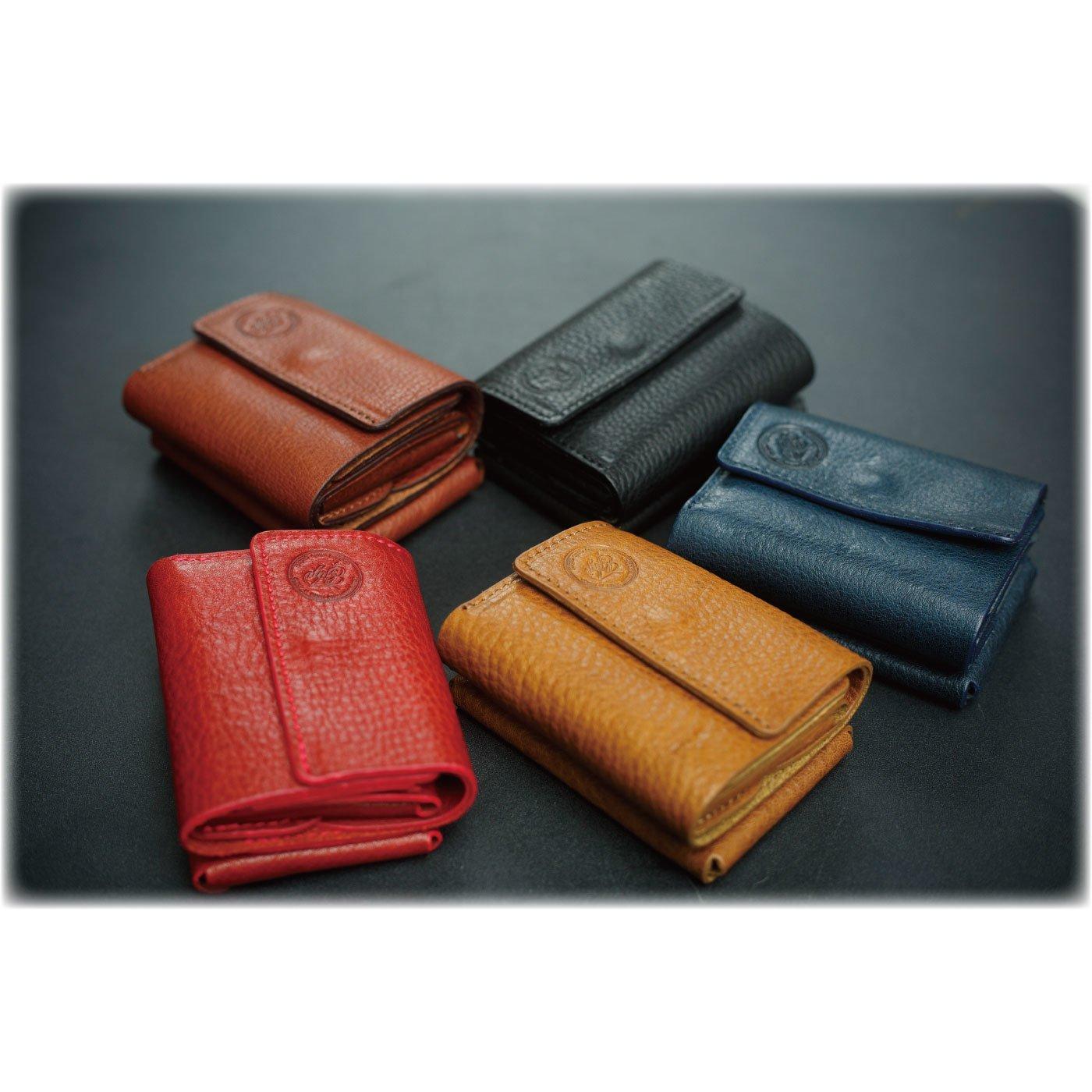 シーンに合わせてカスタマイズできるレザー財布 Kumi Wallet