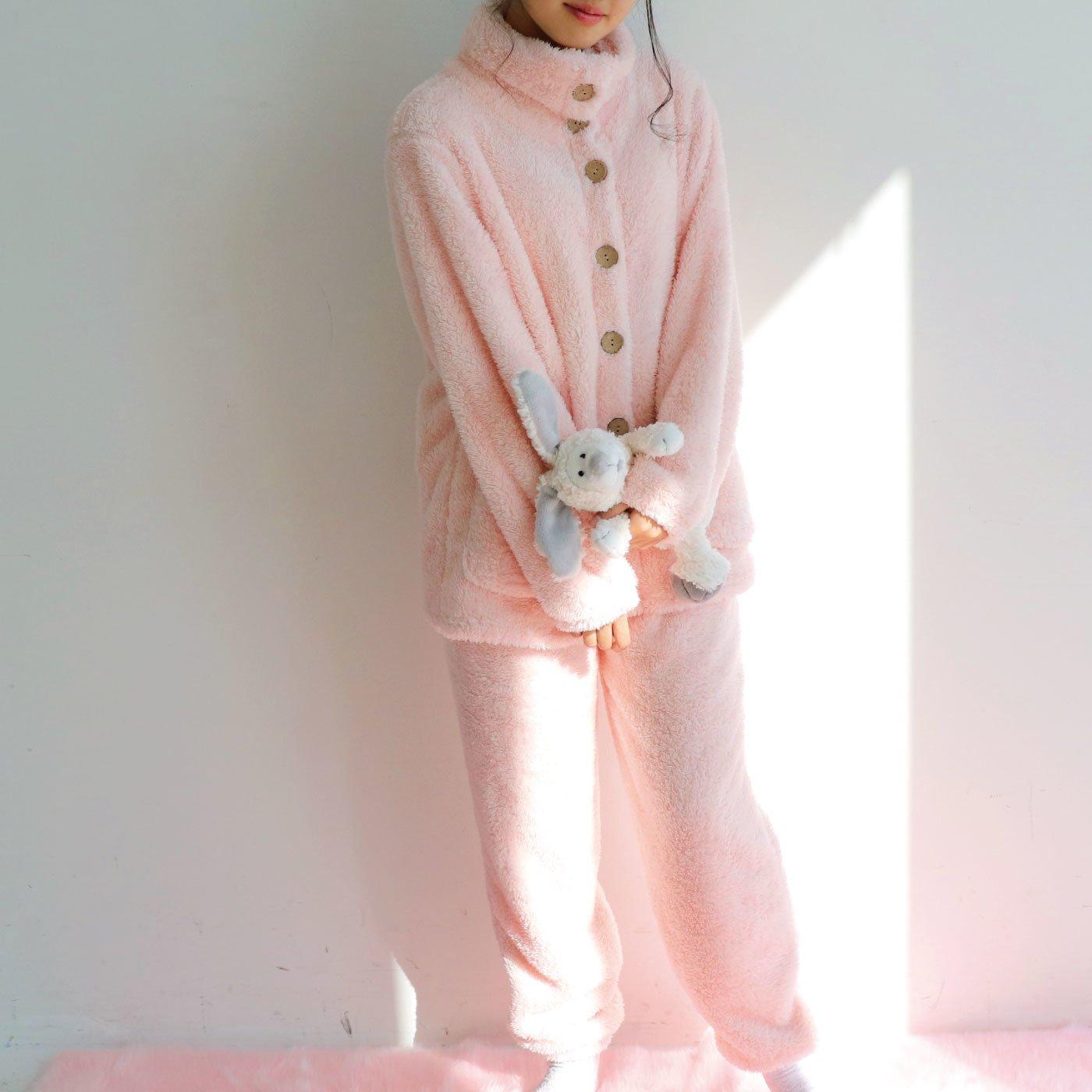 さりげなくきらりと輝く ラメ入りボアハイネックパジャマ