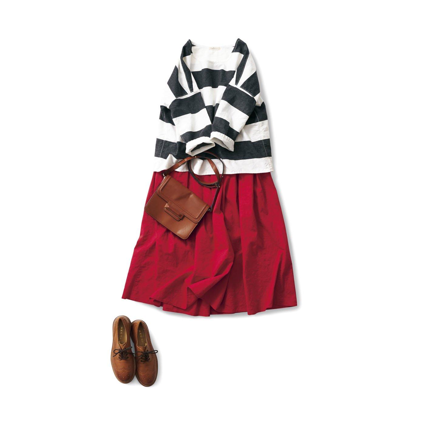 サニークラウズ 赤いスカートと津田さんコーディネイト