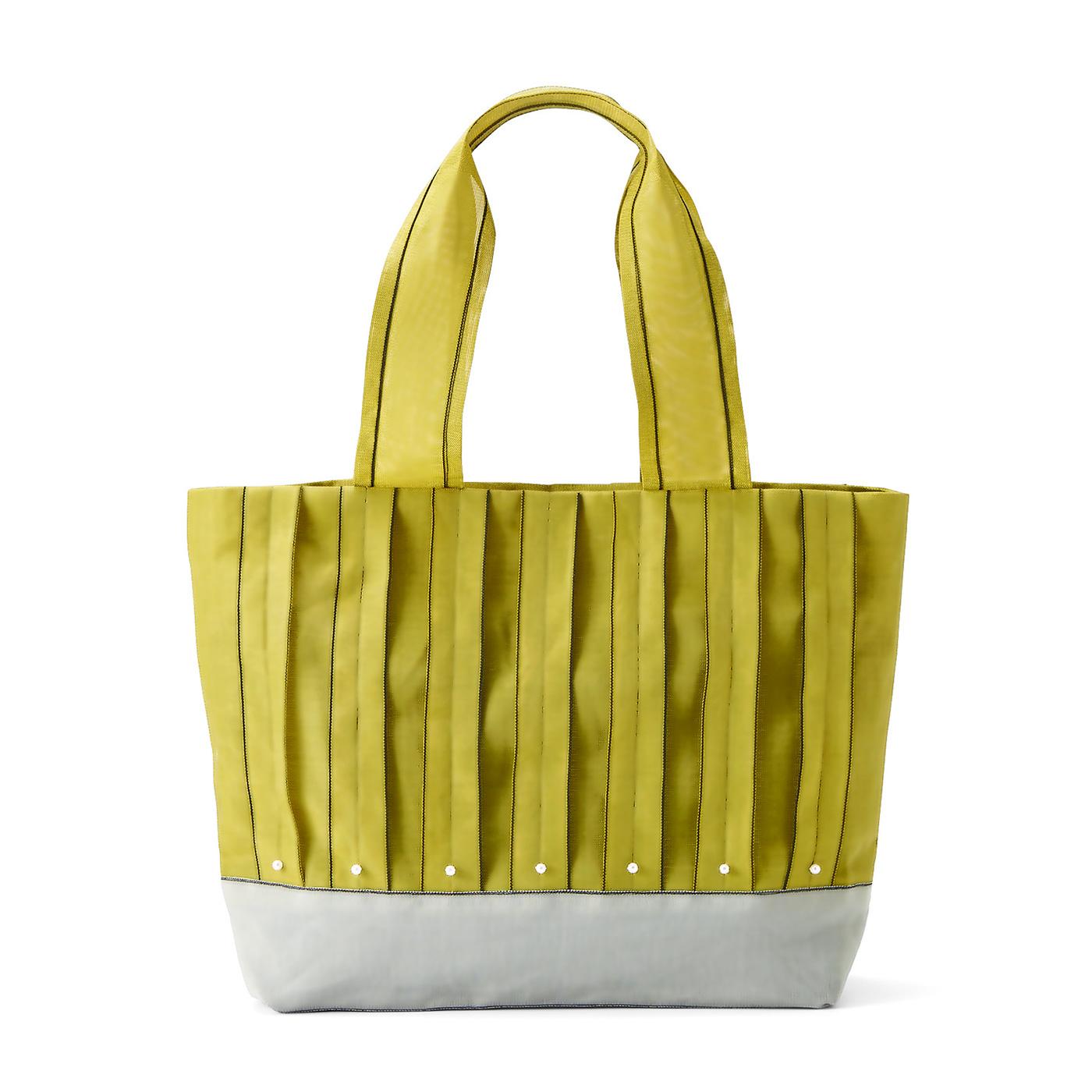 鶯(うぐいす)色の横型トートバッグ 縦約26.5cm、横約39cm、まち幅約8cm