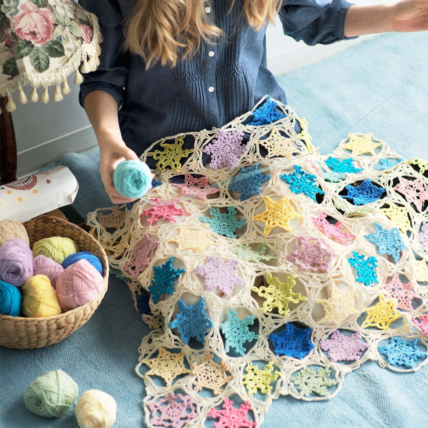 フェリシモ 繊細な模様をつなげよう かぎ針で編む雪の結晶モチーフの会