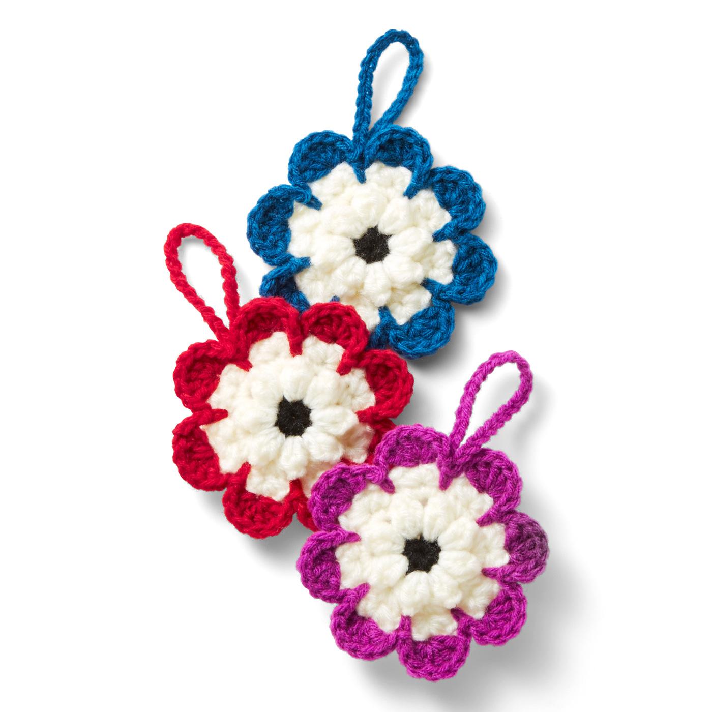 三色のお花モチーフ 直径約11.5cm