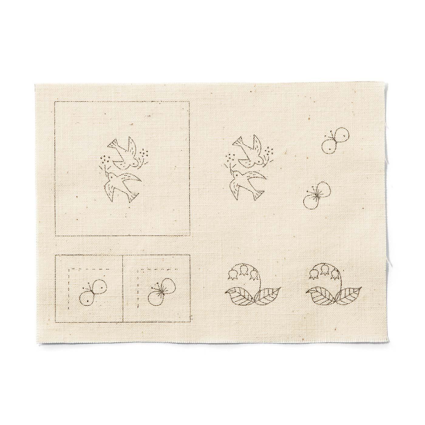 1~4ヵ月目までは、刺しゅう布に練習用図案も印刷されているので、慣れてから本番にトライ!