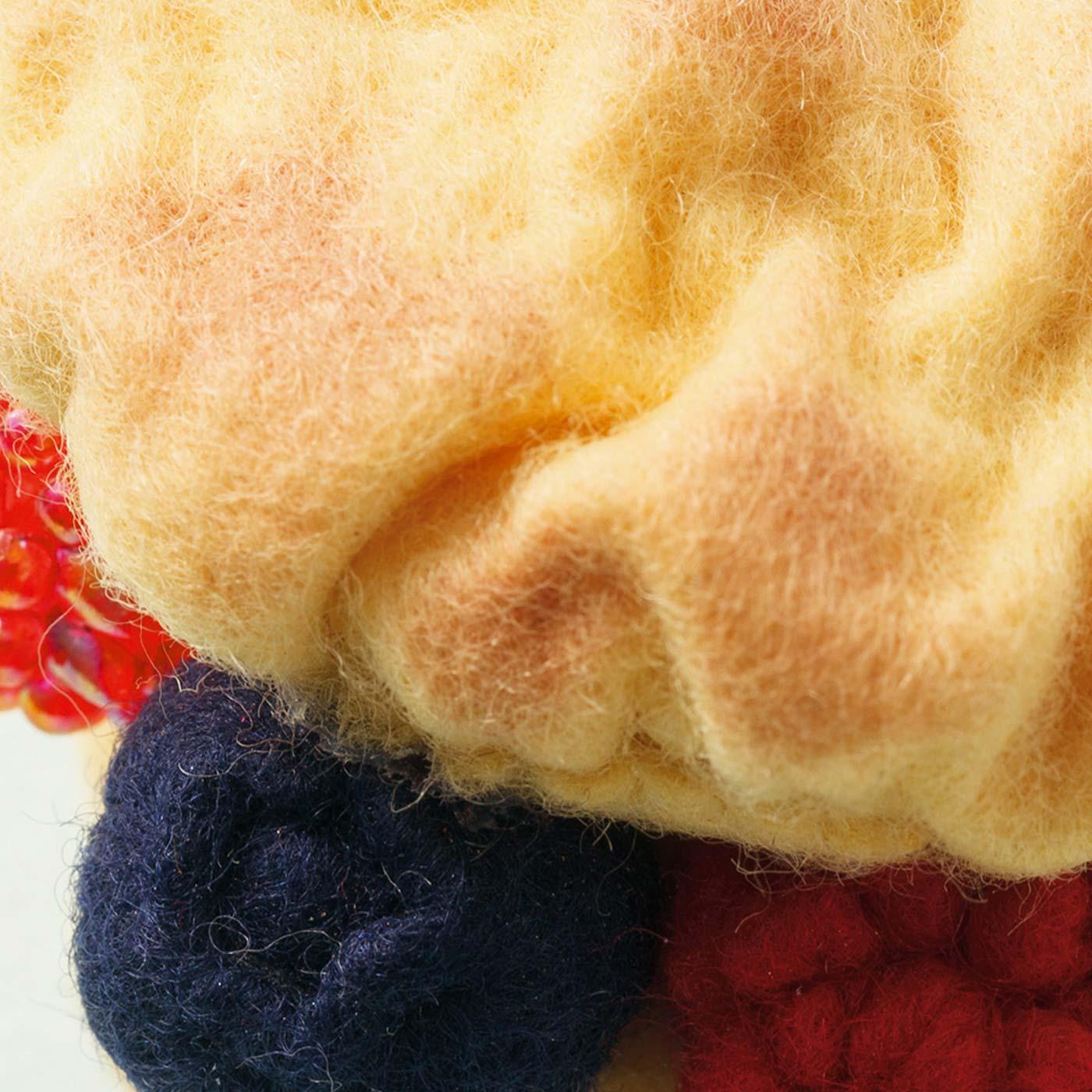 4ヵ月目[糸を引きしぼって作るフルーツやシュー]シュー生地を立体的に表現。