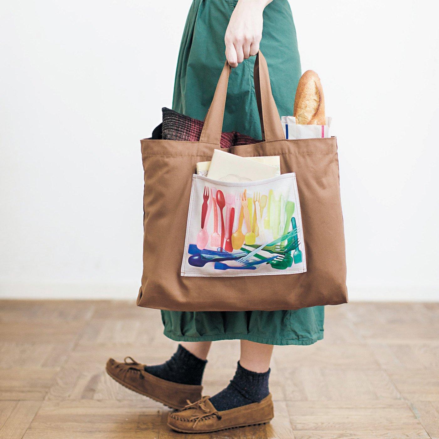 Mrs.f 思わずさわりたくなる「旅のカケラ」を閉じ込めたリアルプリントバッグ