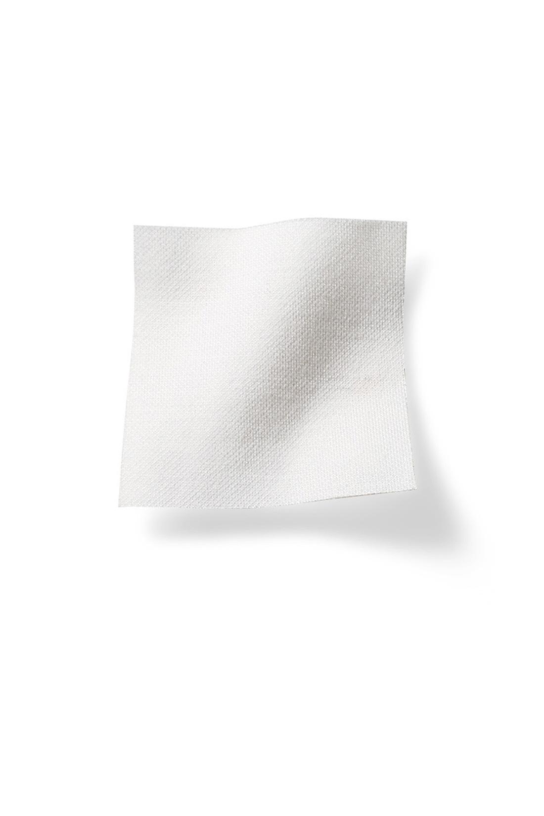 布はくに見えるきれいなカットソー素材。動きやすくしわになりにくい上に、お手入れもらくちん。