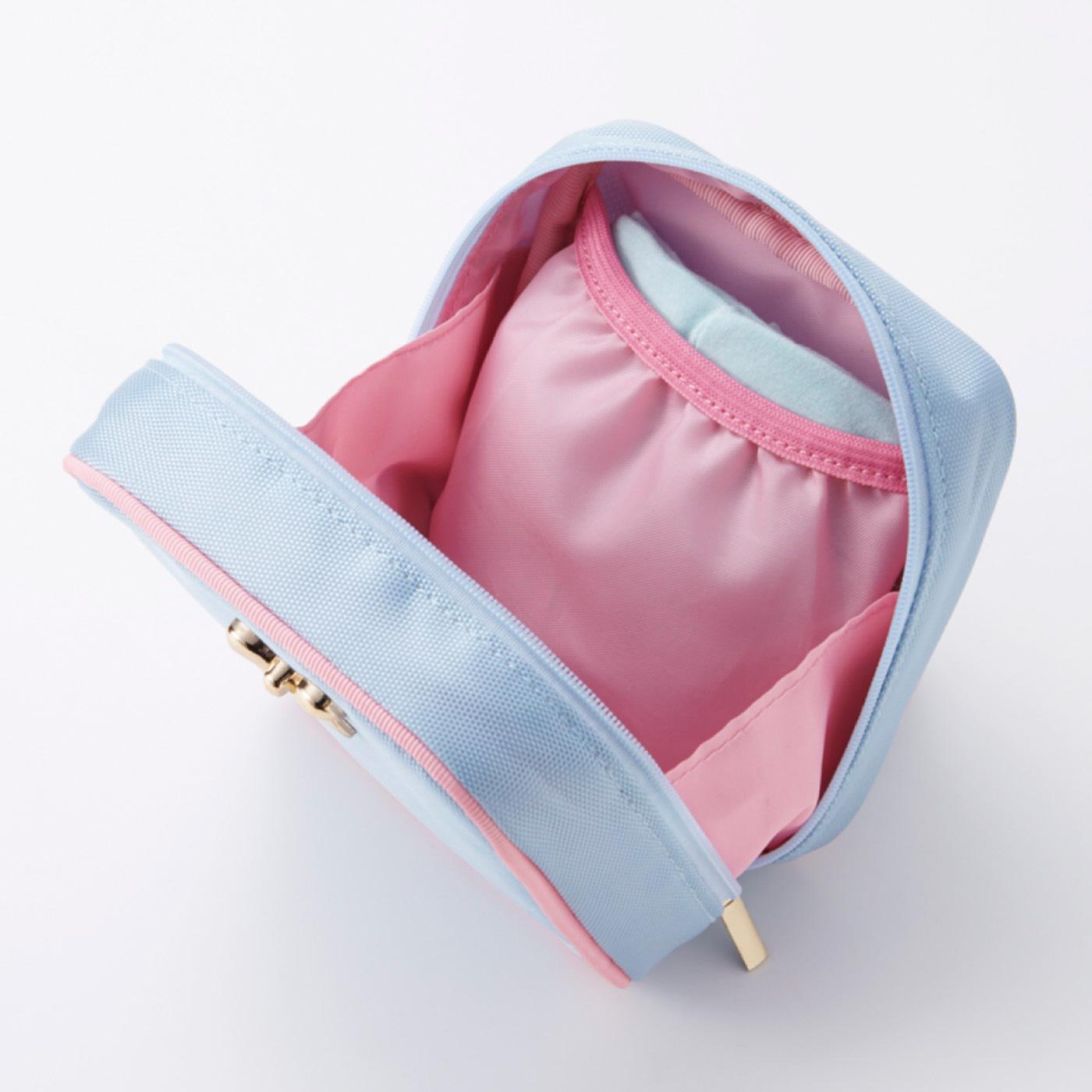 内側のポケットには、予備のショーツを忍ばせて。