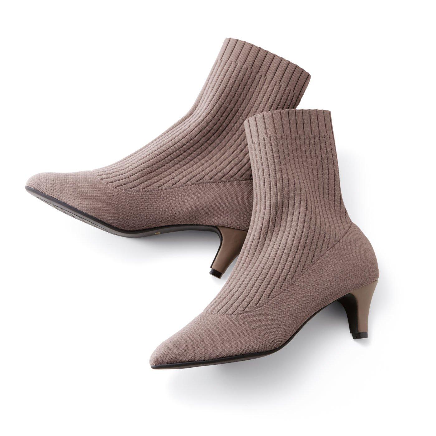 【3~10日でお届け】IEDIT[イディット] しなやかな履き心地のキャットフィット リブニットショートブーツ〈グレージュ〉