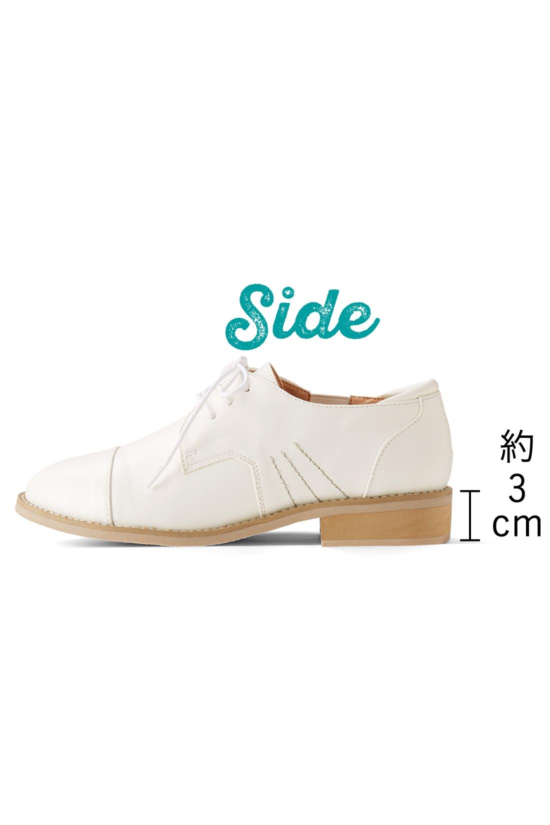 美脚をかなえつつ歩きやすい3cmヒールがちょうどいい。 ※お届けするカラーとは異なります。