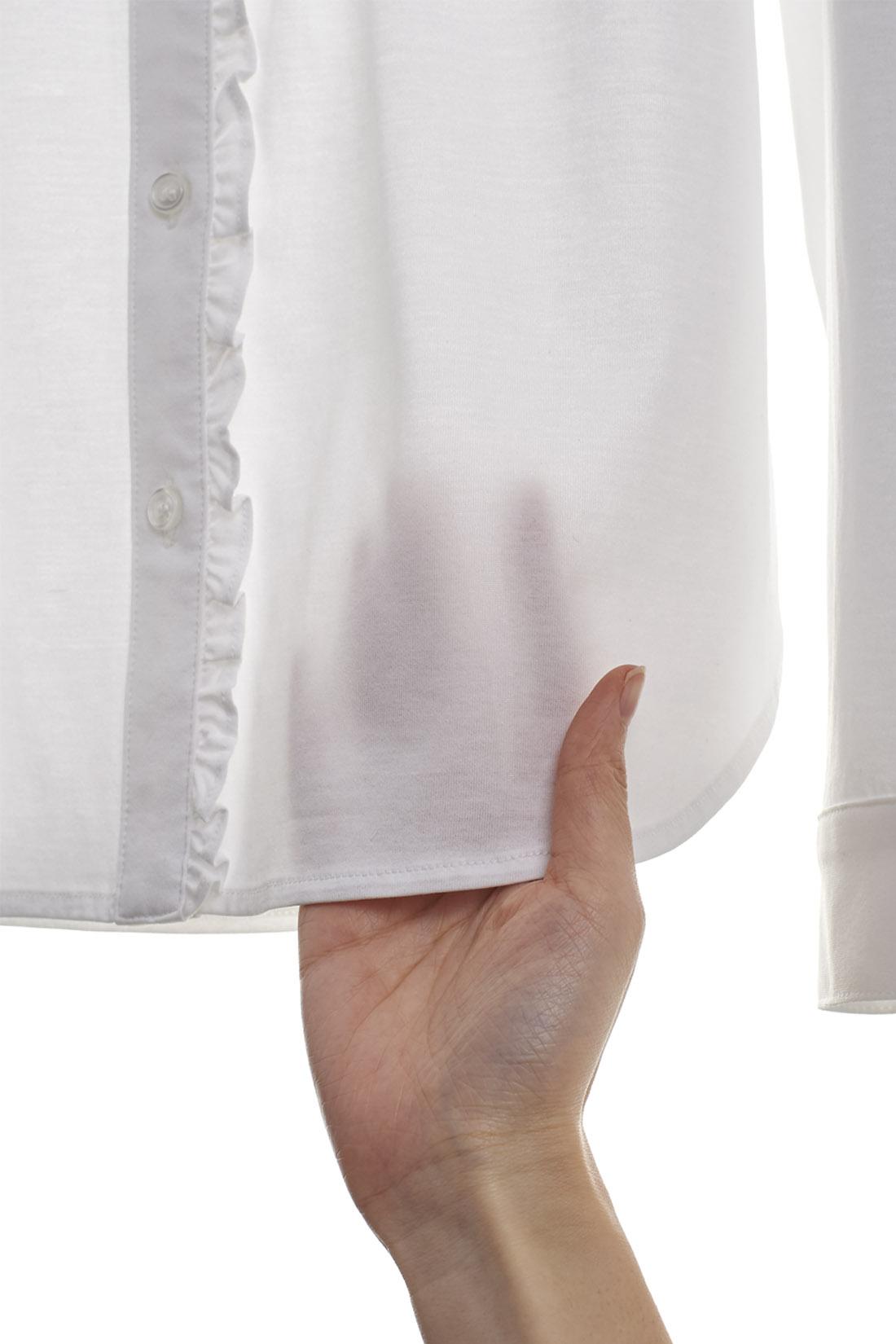 シャツっぽさを極限まで表現した、ほどよい厚み。(お届けするカラーとは異なります)