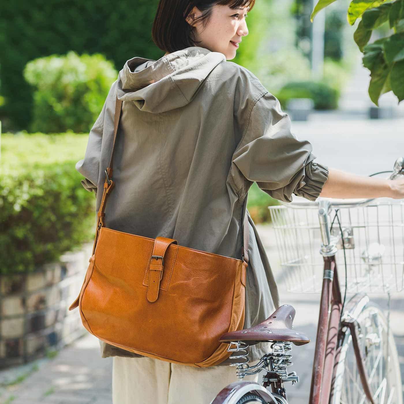 雑貨プランナーと作った 職人本革のリレーバッグ〈キャメル〉[本革 鞄:日本製]