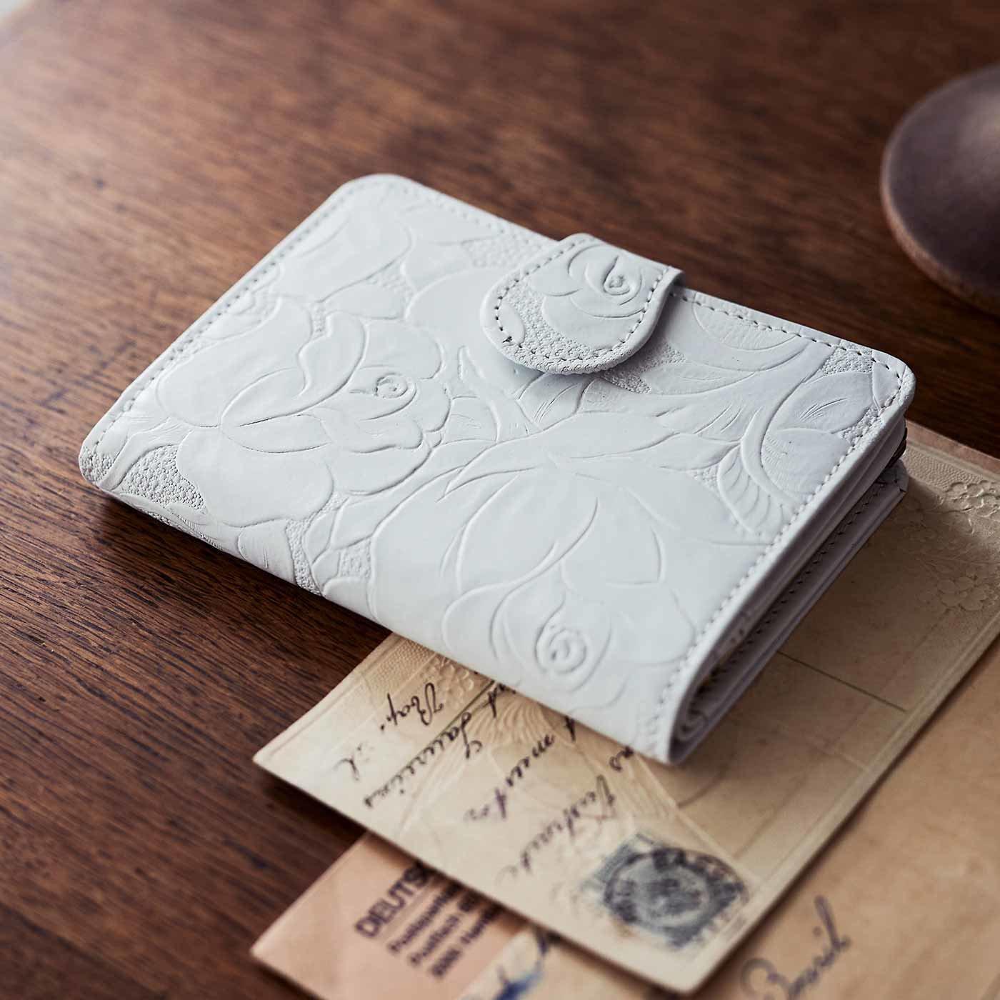 財布&革職人が叶えた 薔薇の刻印 折り財布〈ホワイトローズ〉[本革 財布:日本製]