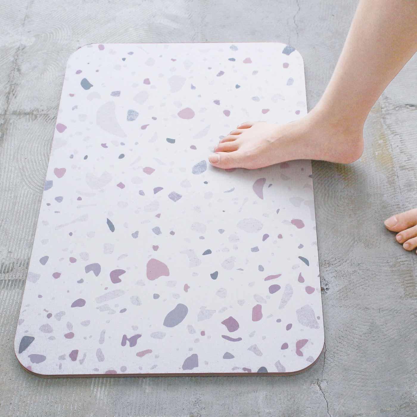 足がここちいい 珪藻土のバスマット〈カラフル〉