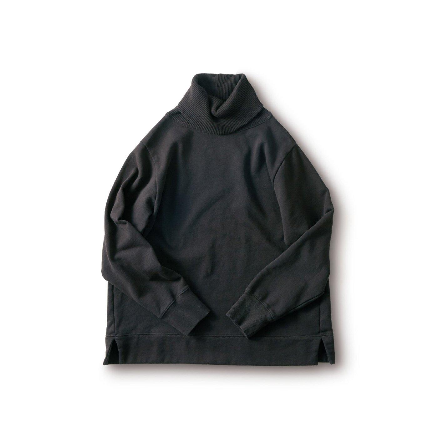 and myera オフすぎないタートルトレーナー〈黒〉