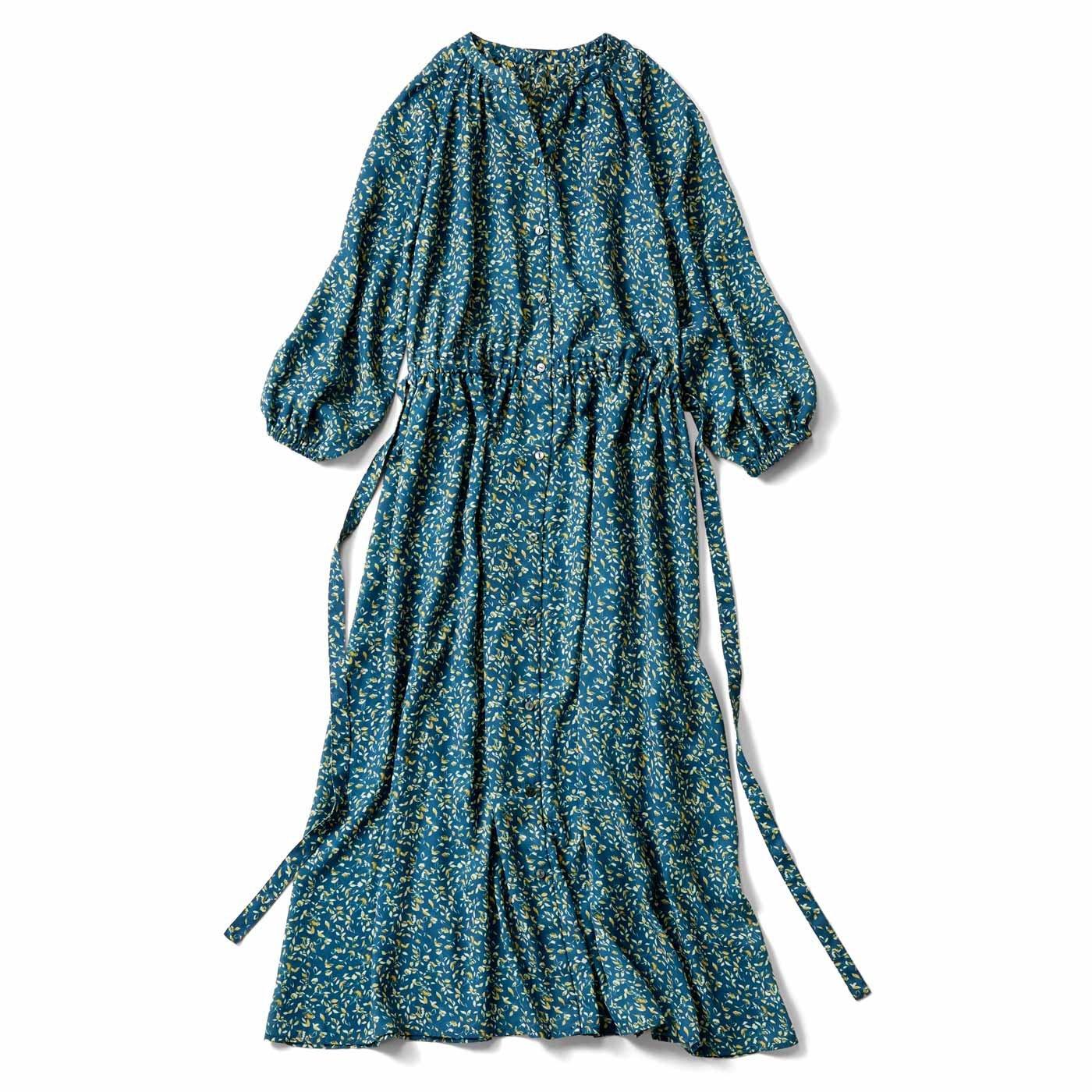 【3~10日でお届け】IEDIT[イディット] 大人フラワープリントのロングシャツドレス〈ダークグリーン〉