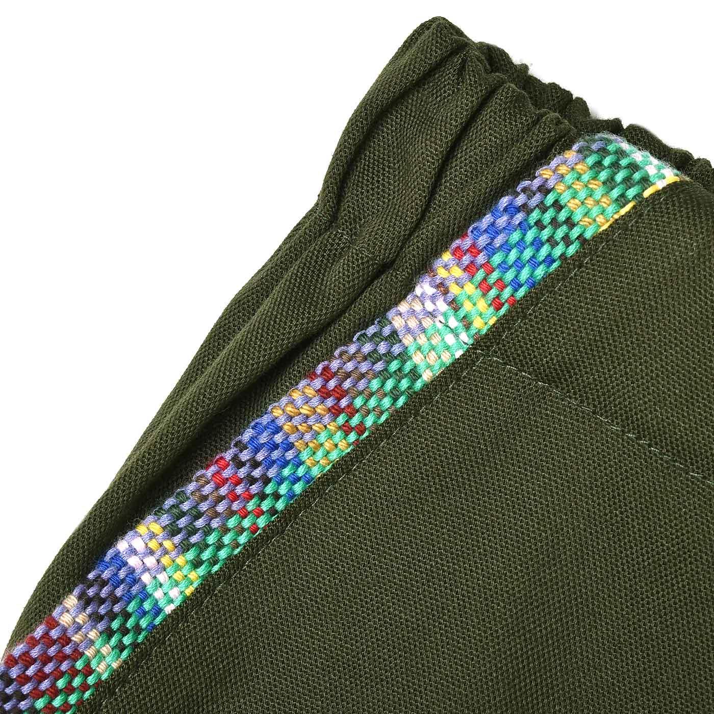さをり織りでポケットのふちを飾りました。 ※お届けする商品とはカラーが異なります。