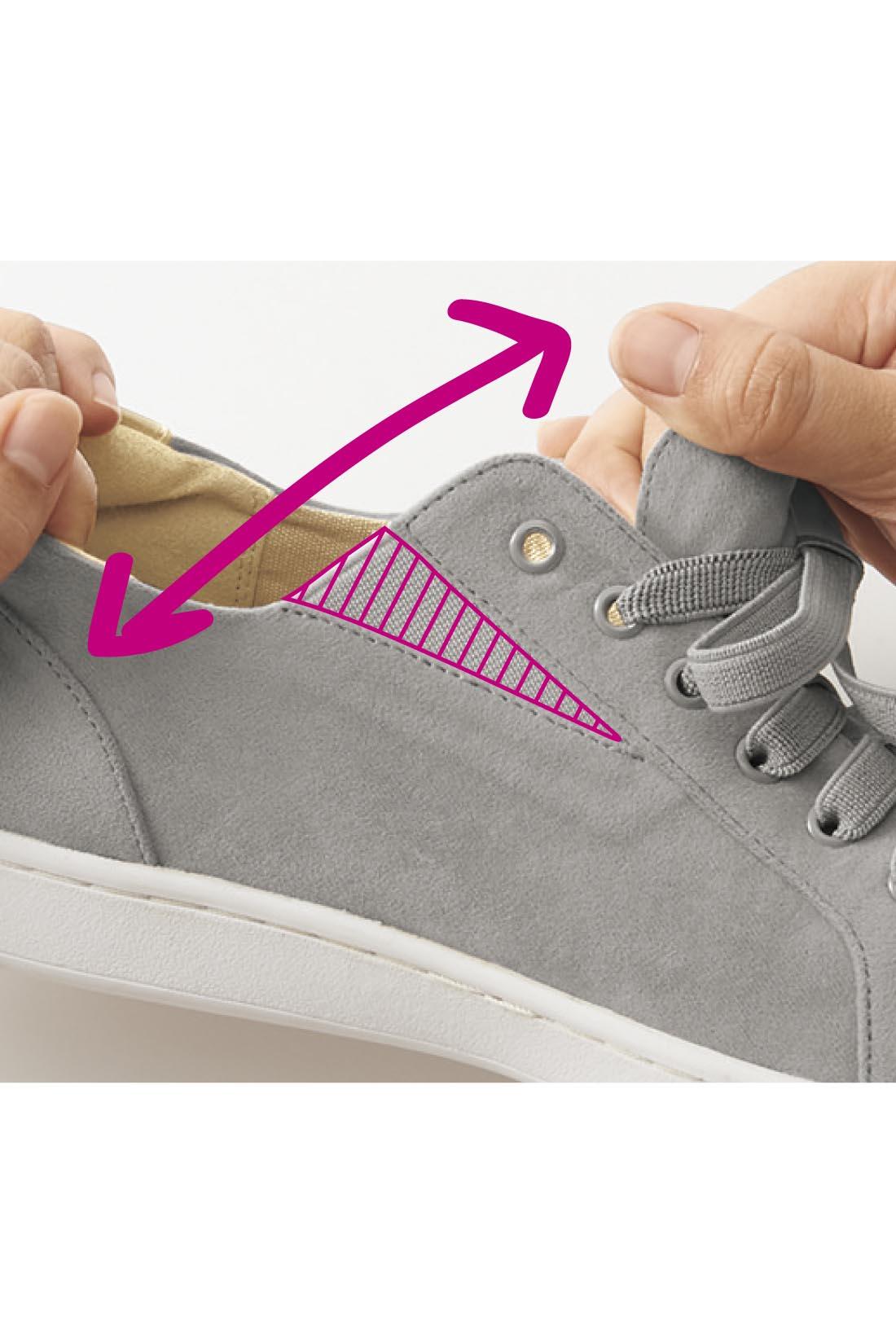 ゴムの靴ひもとサイドゴムのダブルゴム仕様で感動の履きやすさを実現。パッと履けて忙しい朝もストレスフリー!※お届けするカラーとは異なります。