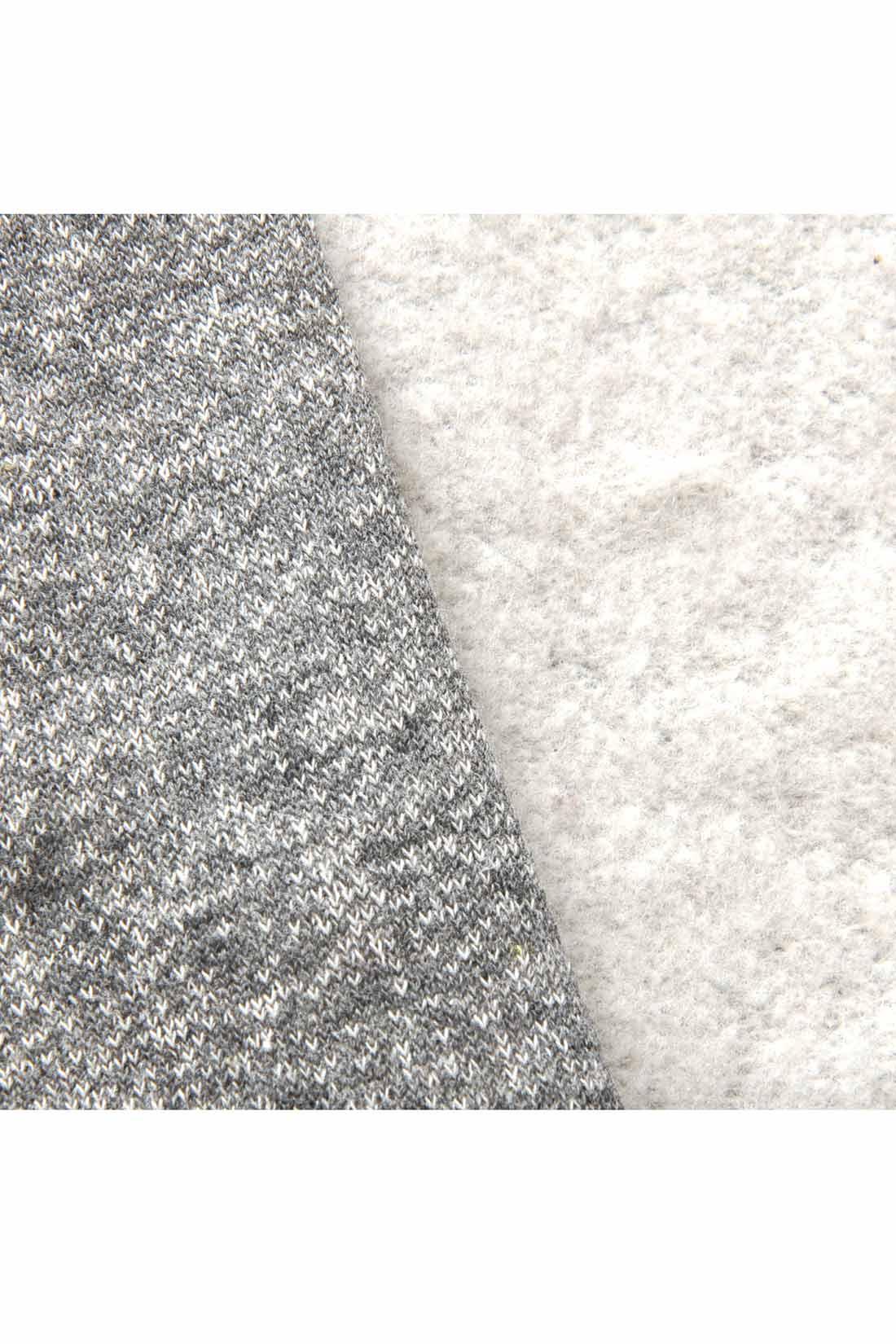 甘編みの裏毛素材を使用、ふわふわの裏起毛はとてもやわらかな手ざわり。