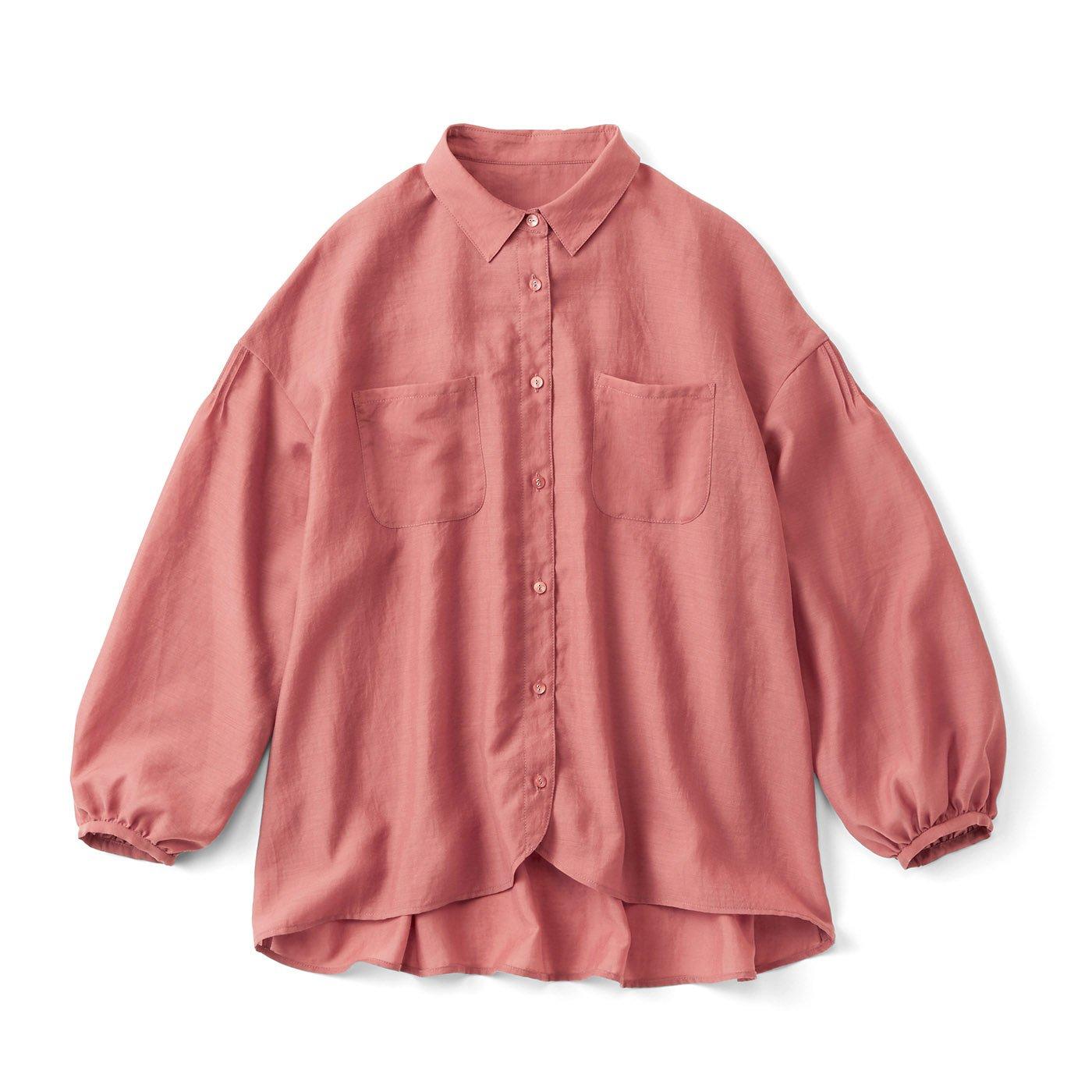 薄手素材のたっぷりシャツ〈テラコッタ〉