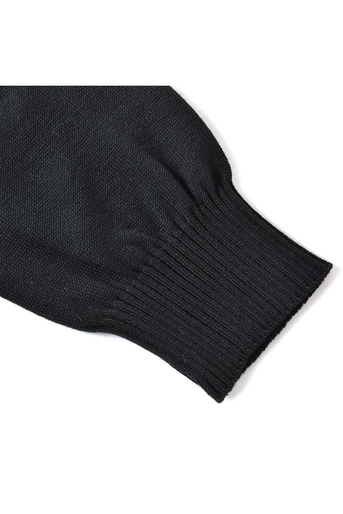 袖口のリブをキュッと仕上げて、少しポアンとなっているのがオンナノコ。