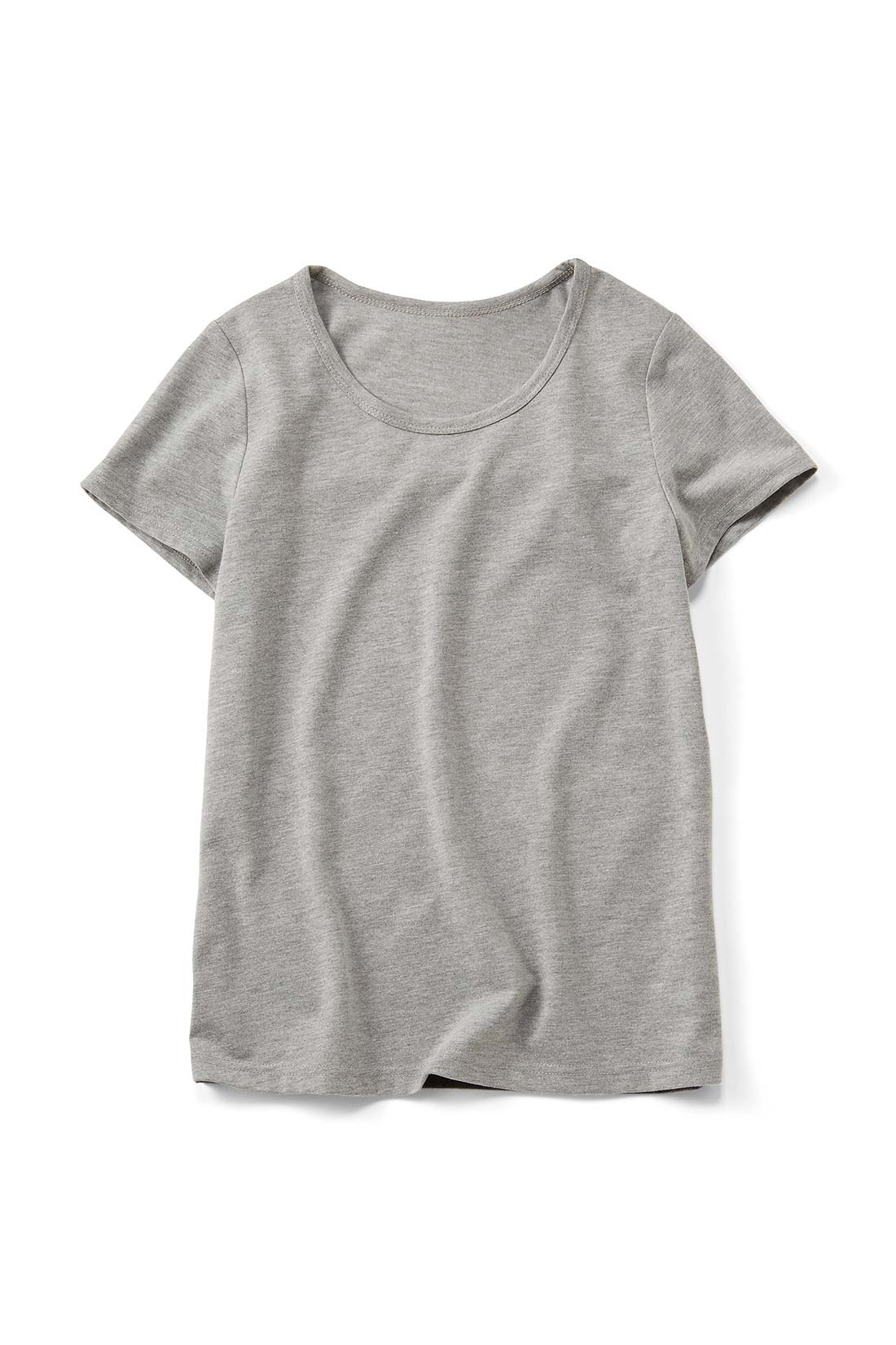 Front 前は袖と同色のシンプルなデザイン。