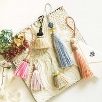 フェリシモ きらきらパーツとボリューム感で華を添える 飾って楽しむ タッセルの会