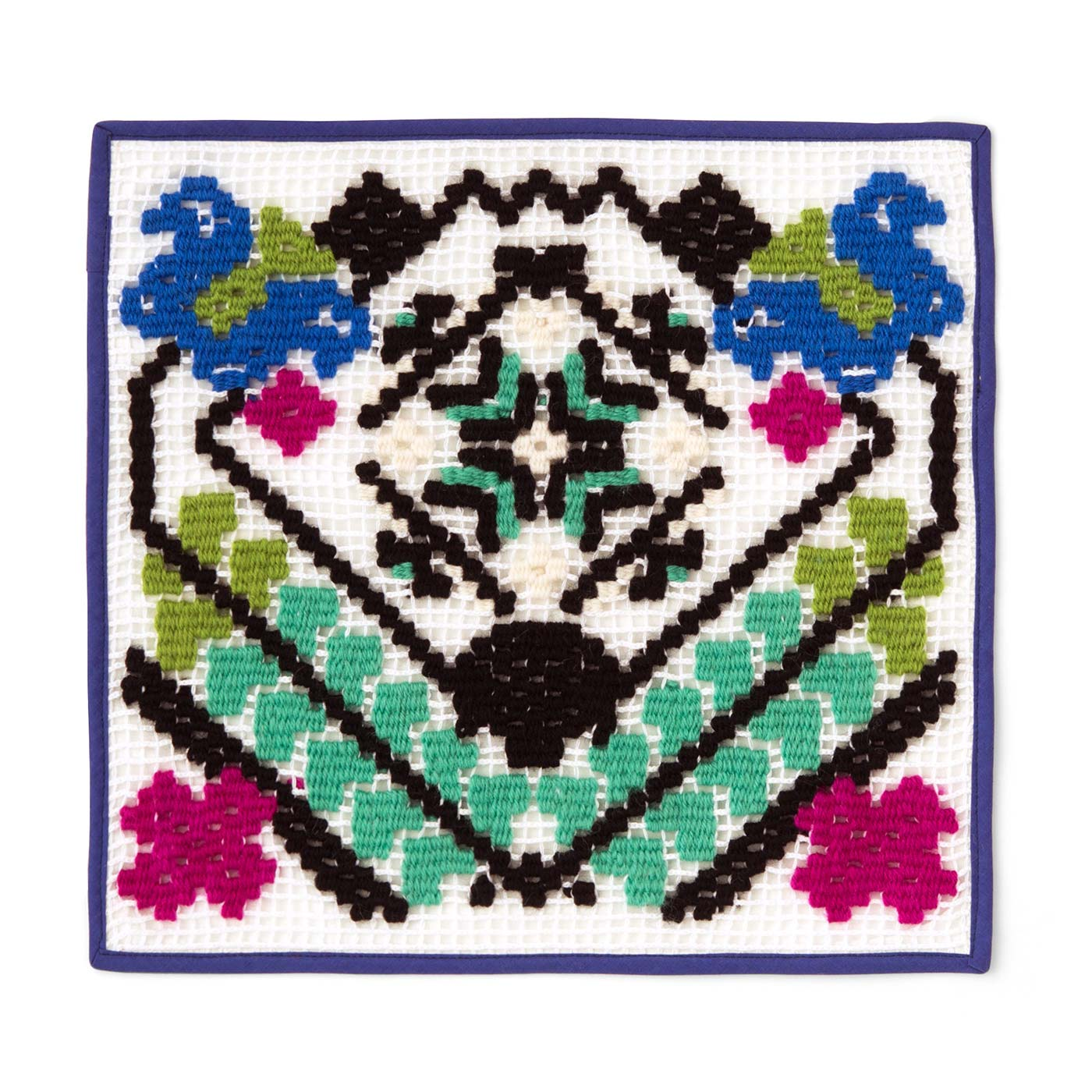 チューリップリースの紋章風カバークロス 縦約29.5cm、横約31cm