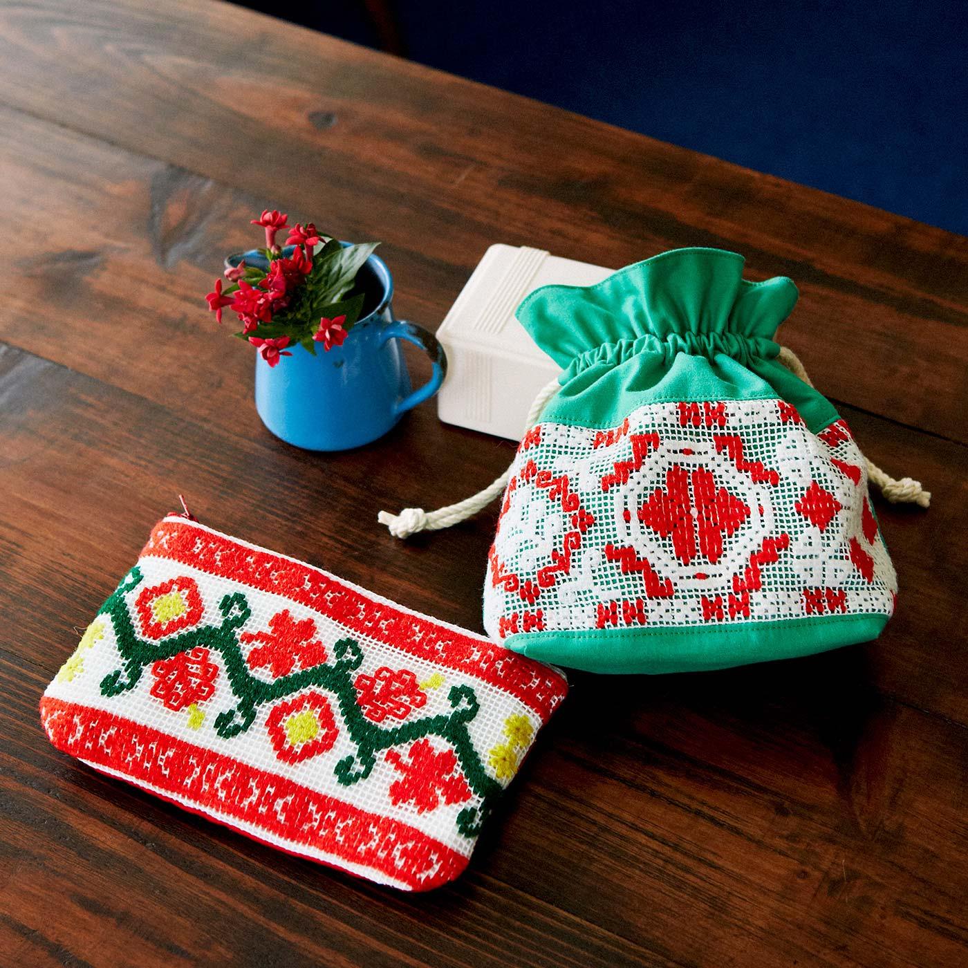 フェリシモ トランシルヴァニアからの贈りもの ネット編み刺しゅうの布小物の会