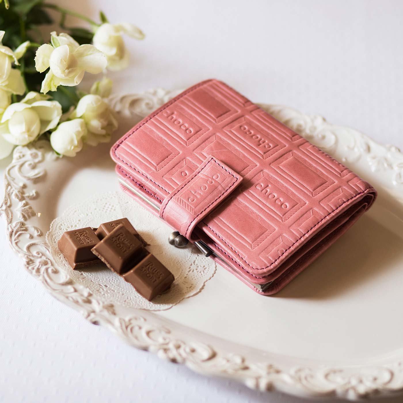 チョコレートバイヤーとコラボ! チョコ型押しで誂(あつら)えた 本革がま口付き折り財布〈ストロベリー〉[本革 二つ折り財布:日本製]