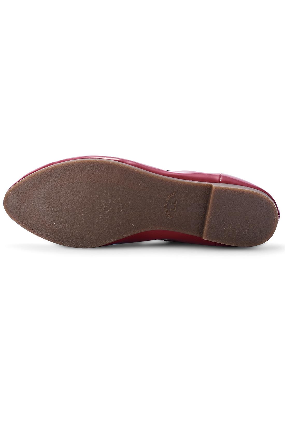 ゴム底ですべりにくく履きやすさも◎。 ※お届けするカラーとは異なります。