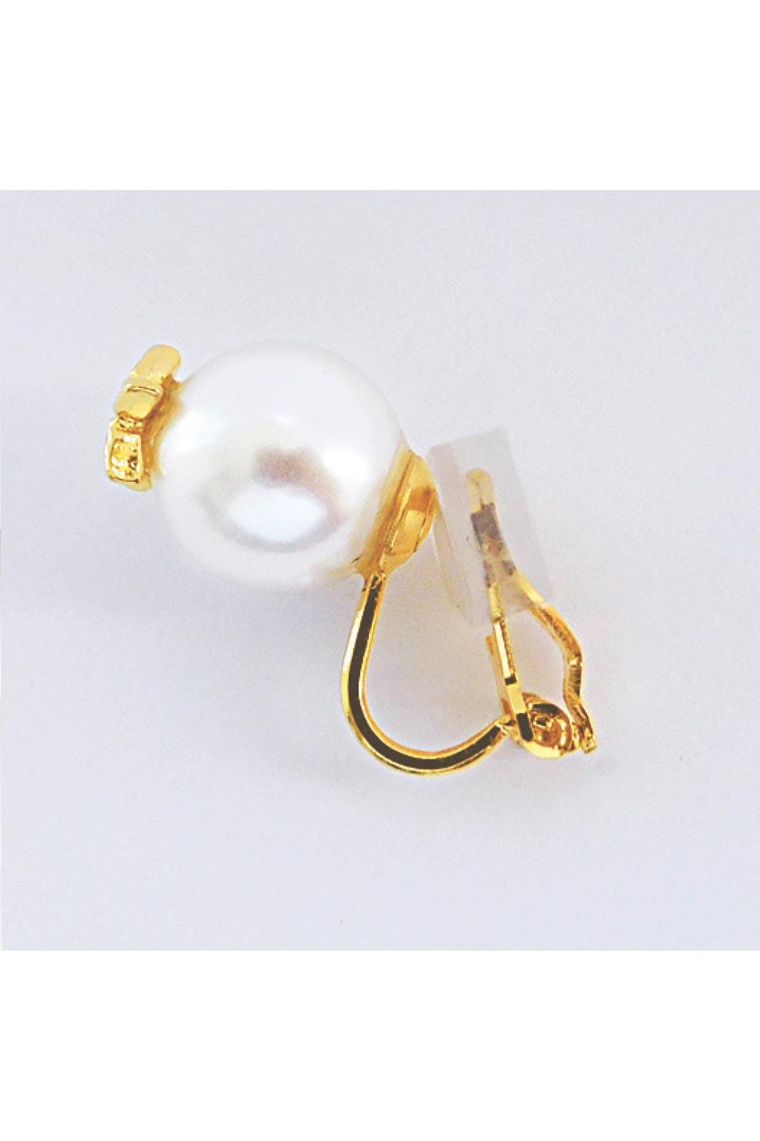 ピアス派の人も、イヤリング派の人もおまかせ。金具にシリコーンカバー付きなのもうれしいね。