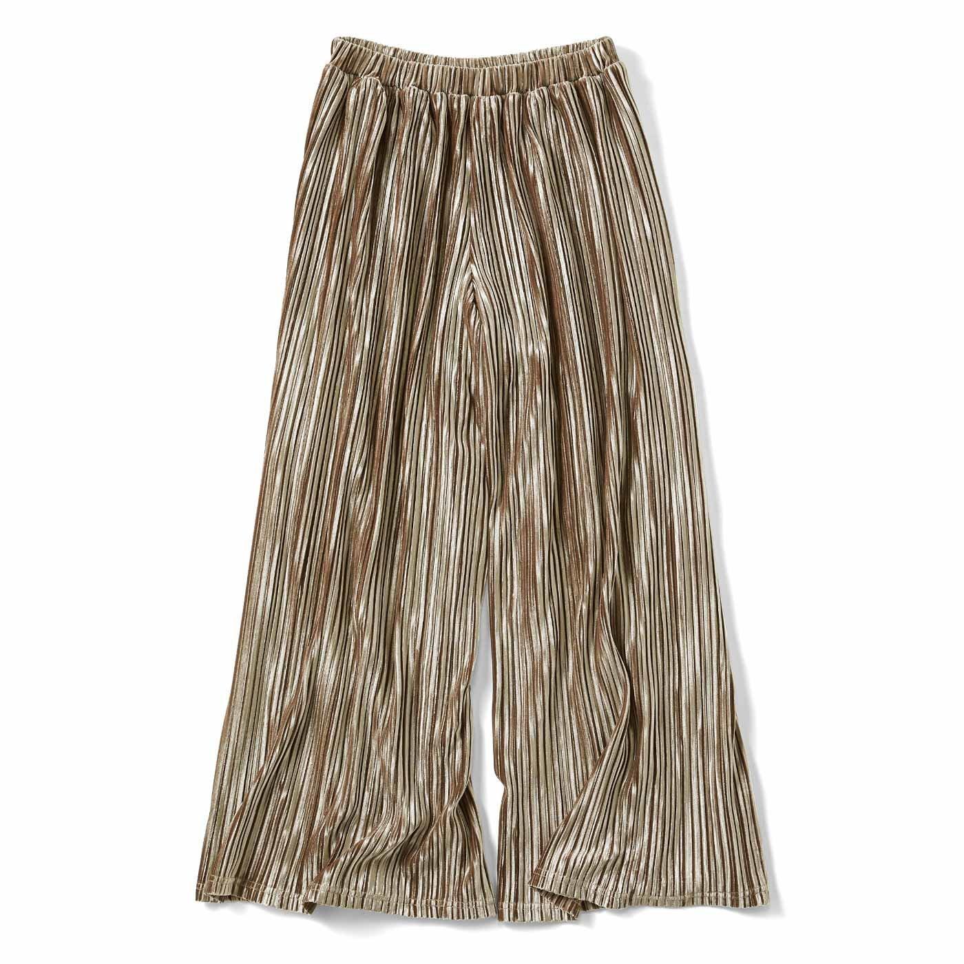リブ イン コンフォート スカートの上品さとパンツのらくちんさを兼ね備えた 細プリーツベロアガウチョ〈シャンパンベージュ〉