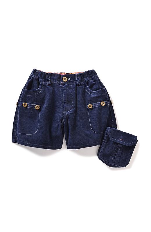 ふとももカバー効果もある大きめポケット。取り外せば丈長トップスでもすっきり。