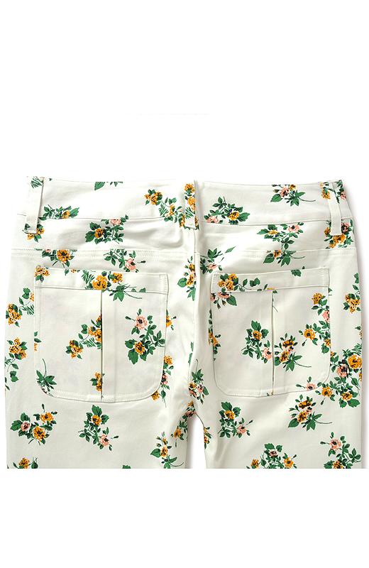 小尻に見せるポケットデザイン。