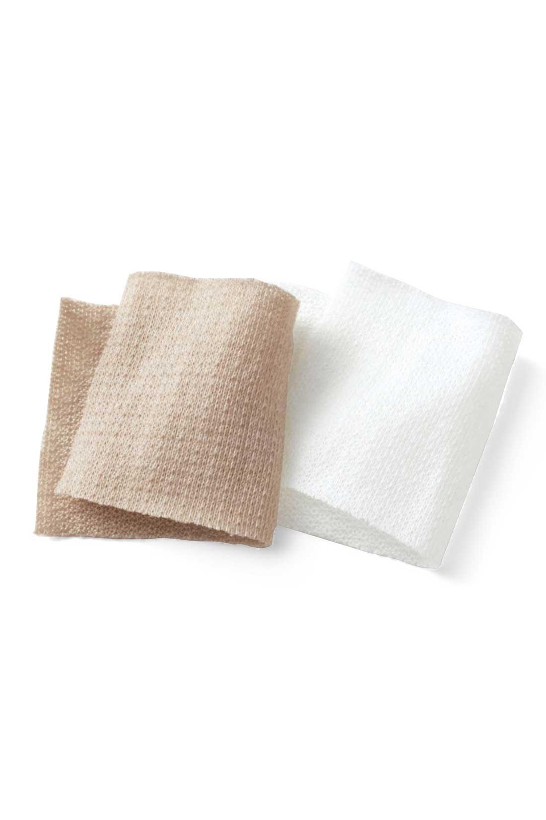 軽やかな綿混素材。薄手で、やわらかな肌ざわり。