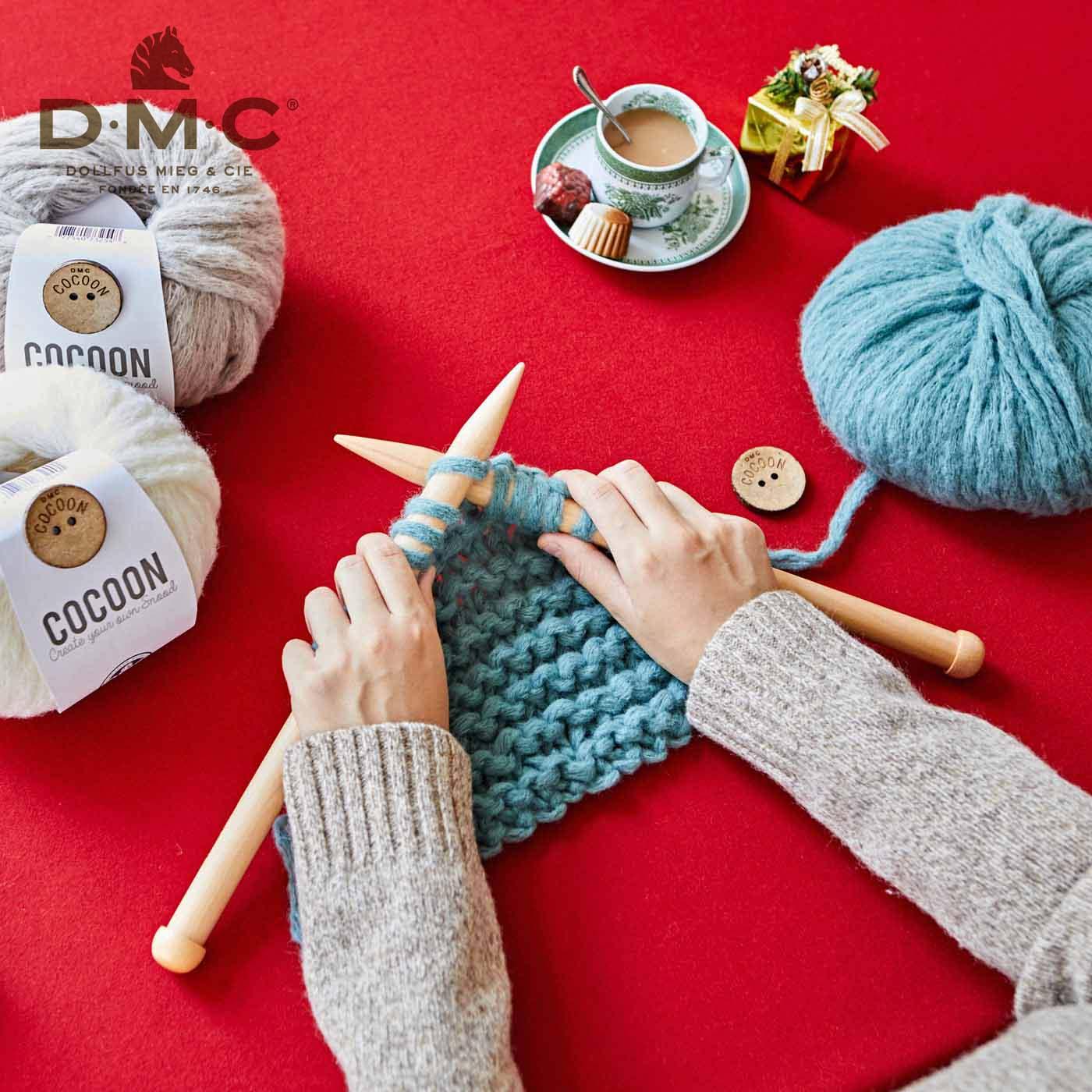 ジャンボ棒針でざくざく編んで、あっという間に完成!(※棒針は糸に付属していません。別途ご用意ください。)