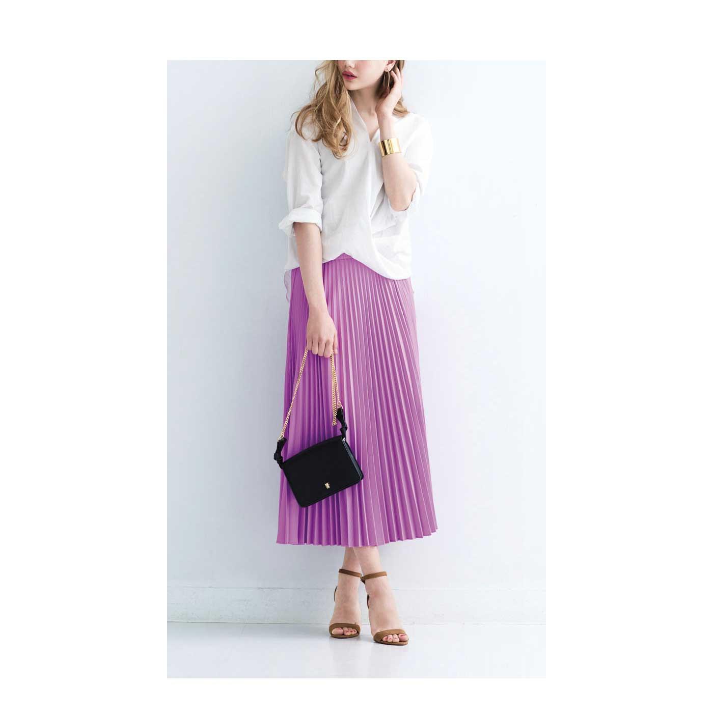 スカートスタイルの日はおなかフラットショーツですっきり見せ。