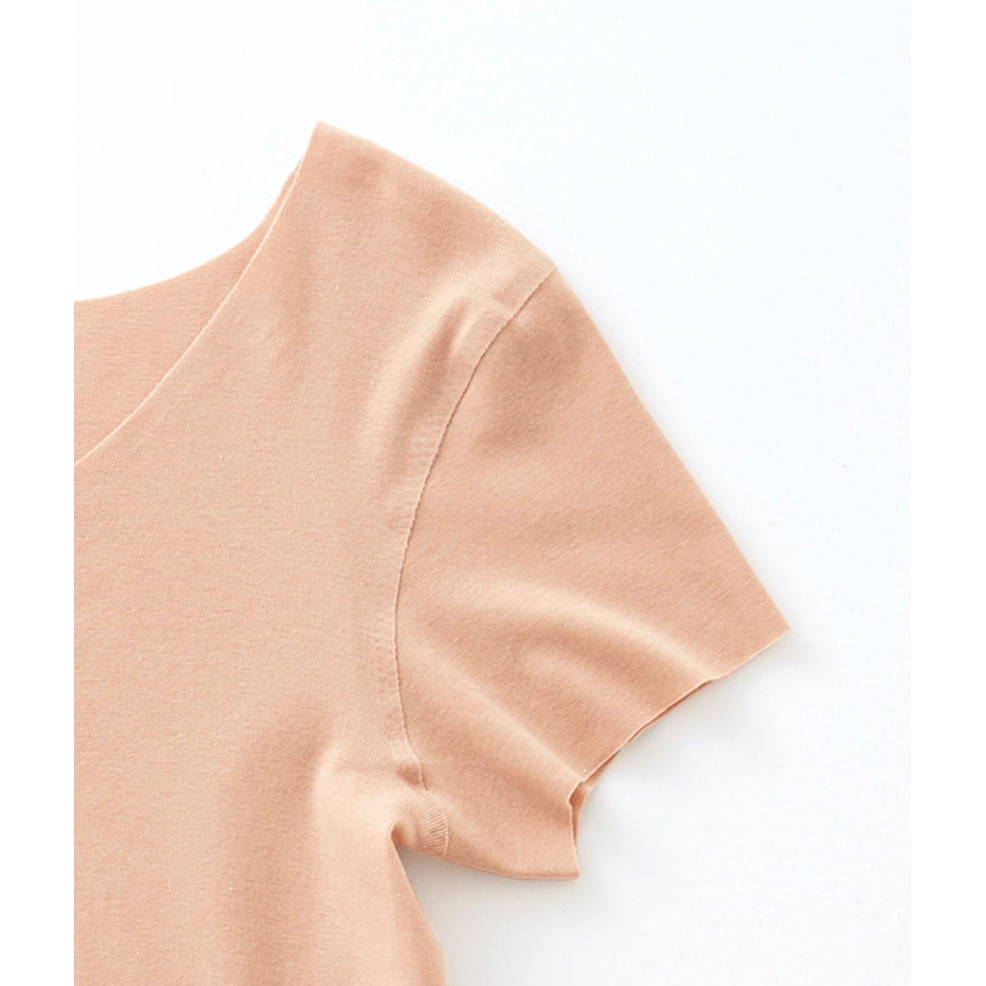 肌への負担が少ない縫い目のない接着仕様。(※完全無縫製(R))※完全無縫製(R)はグンゼ株式会社の登録商標です。