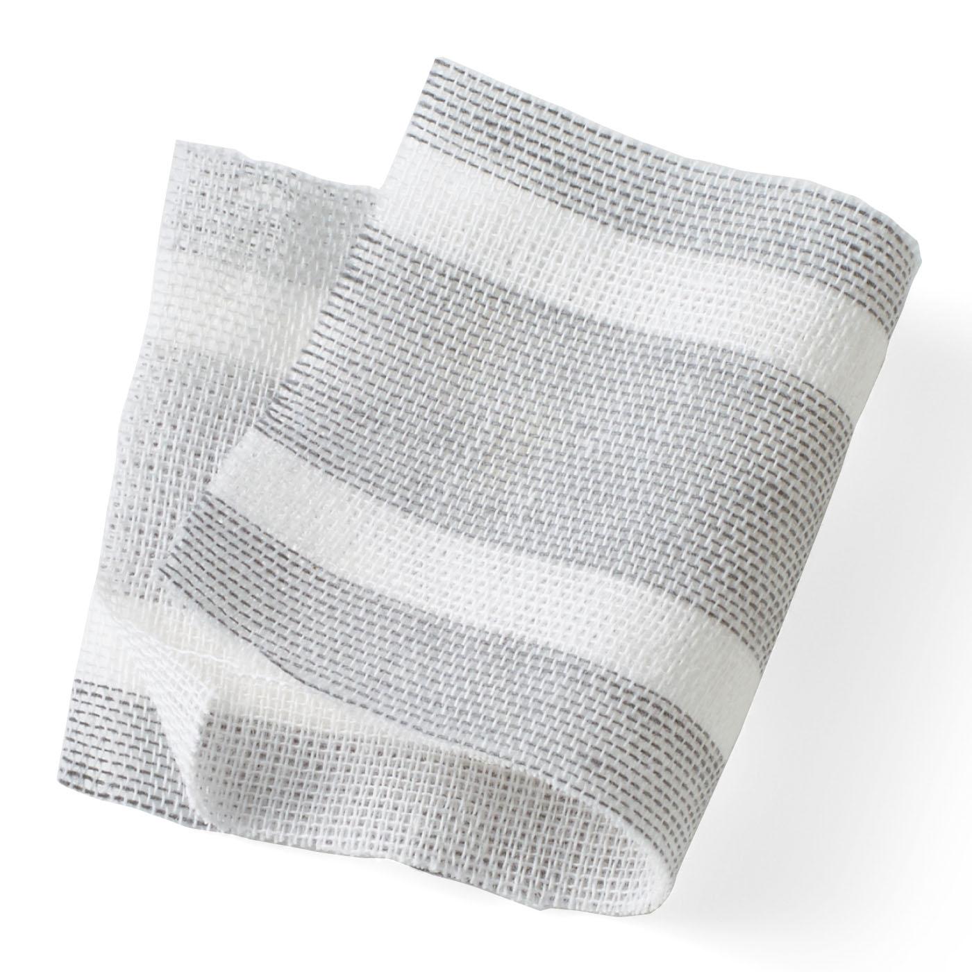ふんわりやさしい綿100%のダブルガーゼ。風の通りがよく、汗を吸って放散するので、湯上がりにもおすすめです。